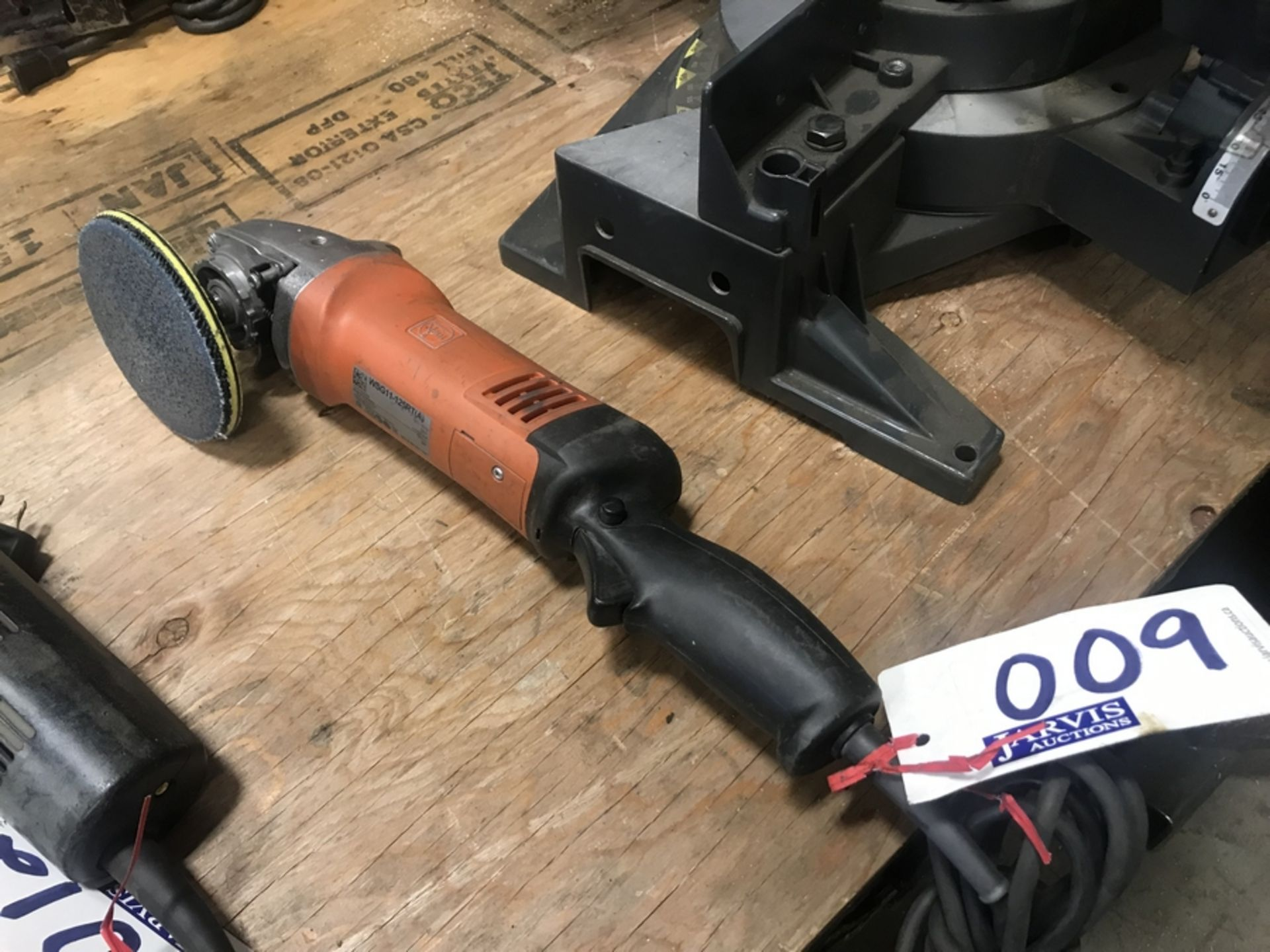 Lot 9 - TEIN WSG11 ANGLE GRINDER