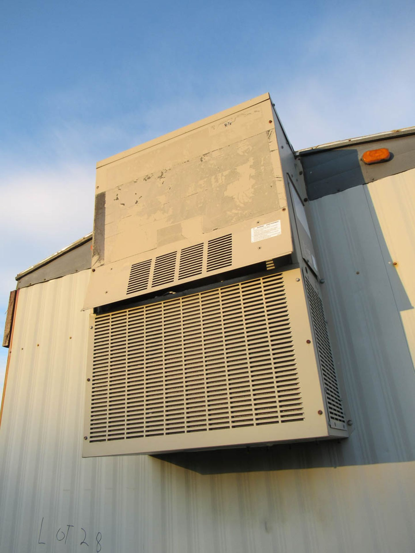 APPROXIMATELY 28' OFFICE TRAILER [LOCATED @ MARINE PARKWAY BRIDGE - QUEENS SIDE] - Image 3 of 9