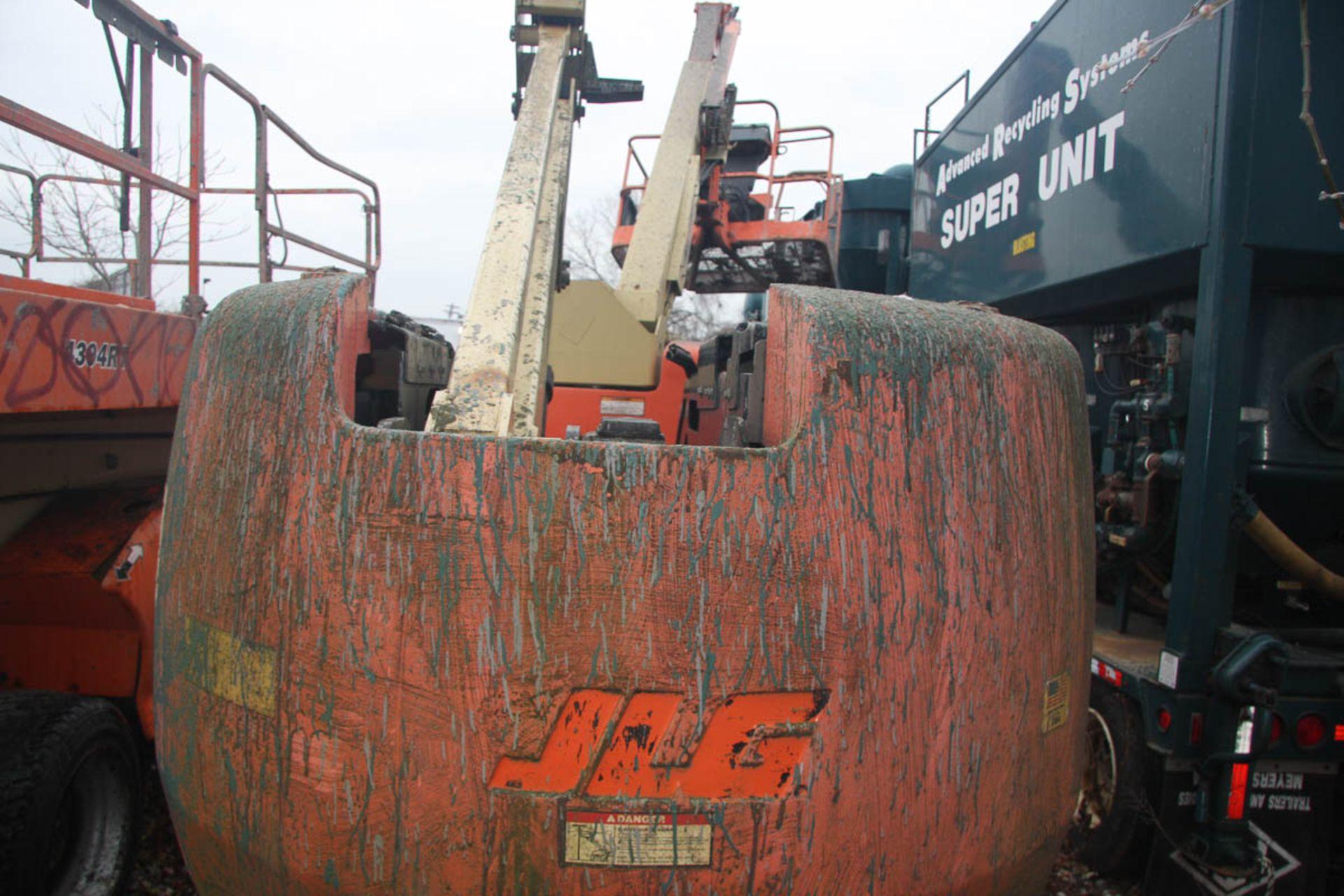 2002 JLG 450AJ SEIRES II BOOM LIFT, DIESEL, WITH 45' MAX HEIGHT, 500# CAPACITY, 24' HORIZONTAL - Image 6 of 9
