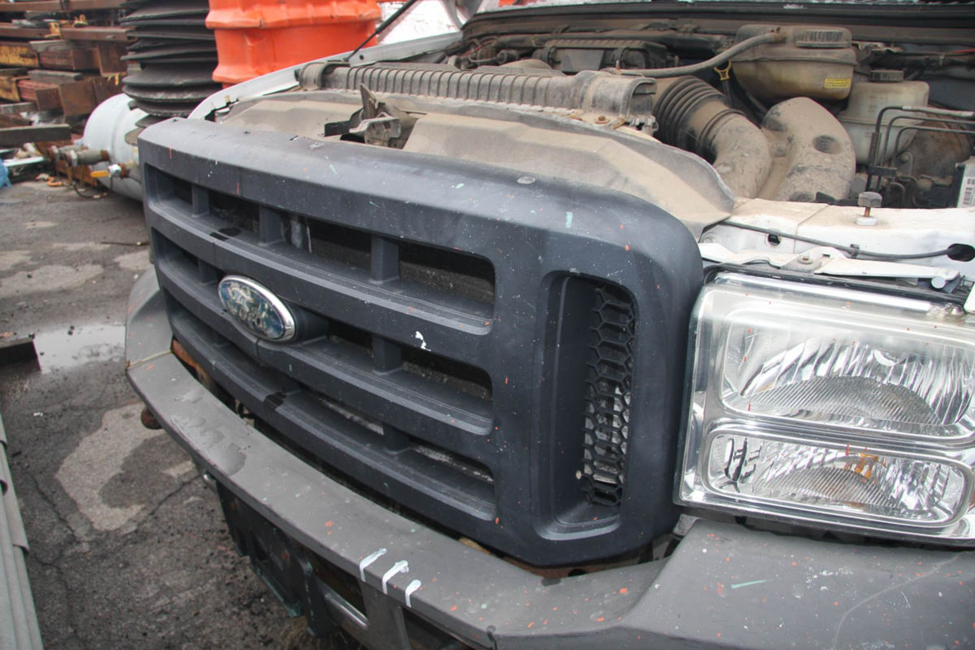 2006 FORD F-250 XL SUPER DUTY PICKUP TRUCK, 4-WHEEL DRIVE, AUTOMATIC, APPROXIMATELY 95,601 MILES, - Image 4 of 11