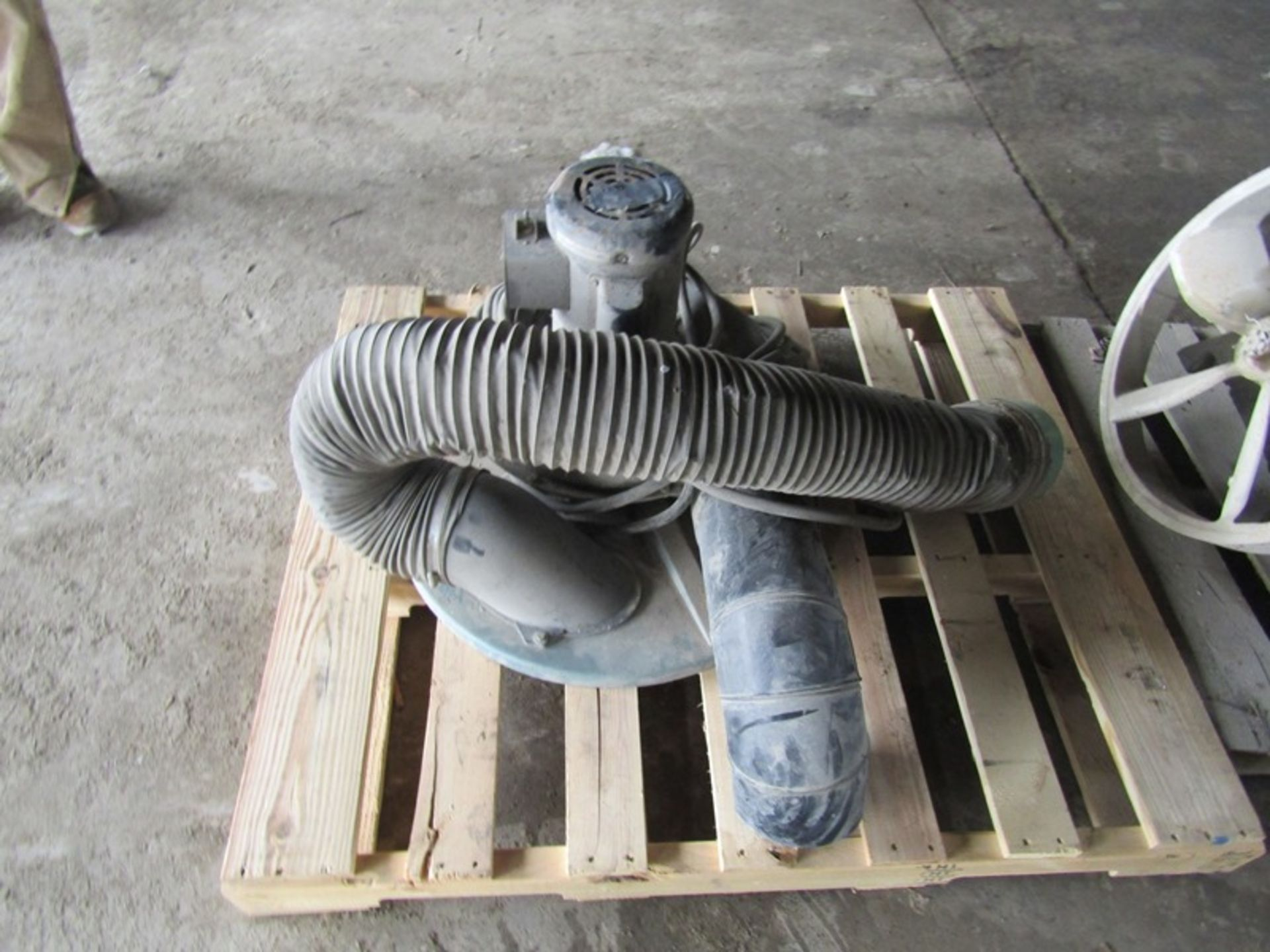 Lot 52 - Compressor & 55 Gallon Drum Vac