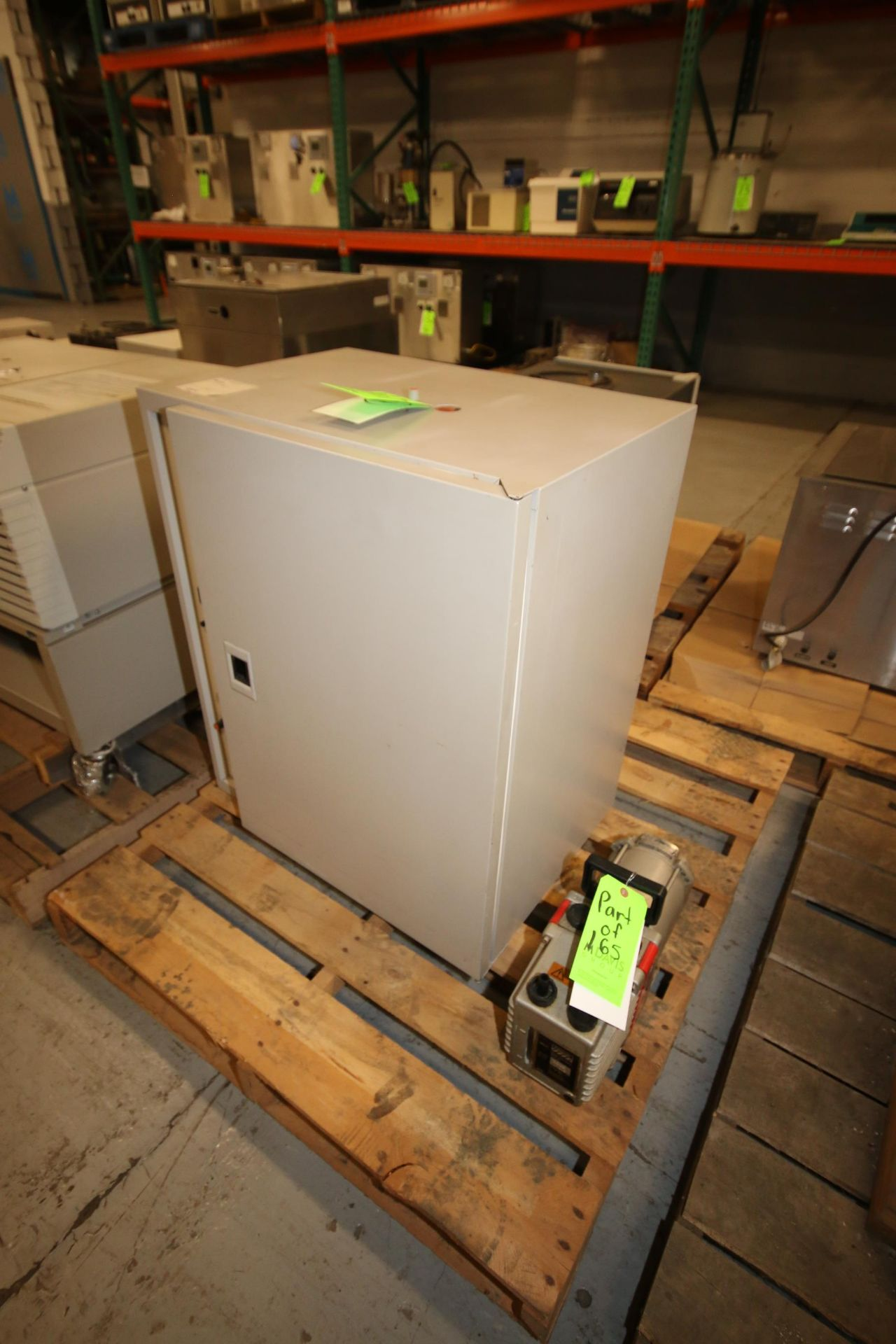 Lot 165 - Hybaid Hybridisation Oven, S/N 522, with Vacuum Pump