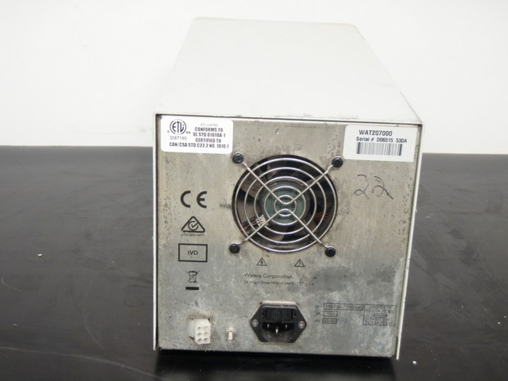 Lot 240 - Waters 515 HPLC Pump, Model WAT20700, S/N D06515 530A (NOTE: Pump Powers On)***Located in NC***