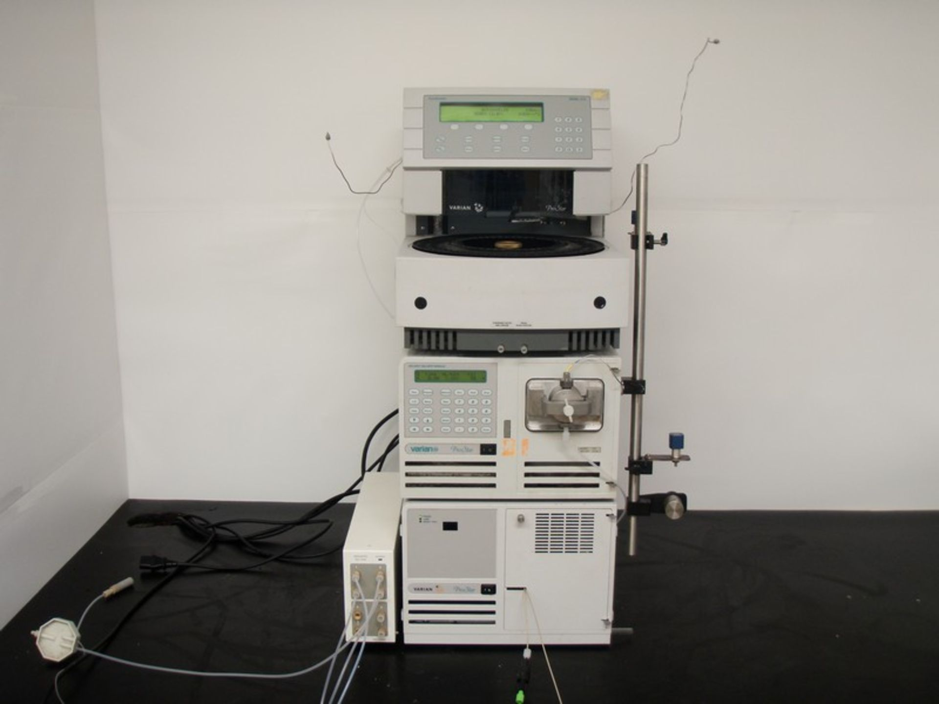 Lot 236 - Varian ProStar HPLC consisting of Autosampler Model 410, Pump Model 210, UV-Vis Detector Model