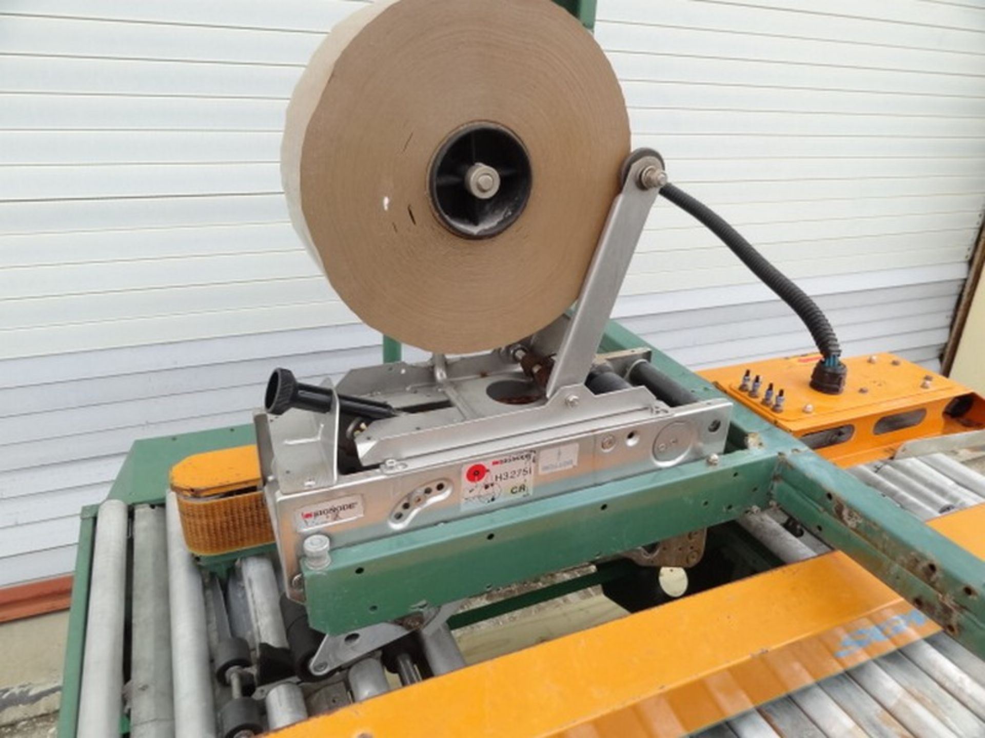 "Lot 484 - Signode RCS-425-1 Semi-Automatic Case Sealer with 3"" tape head (Top only); 110v-1ph-60Hz; S/N"