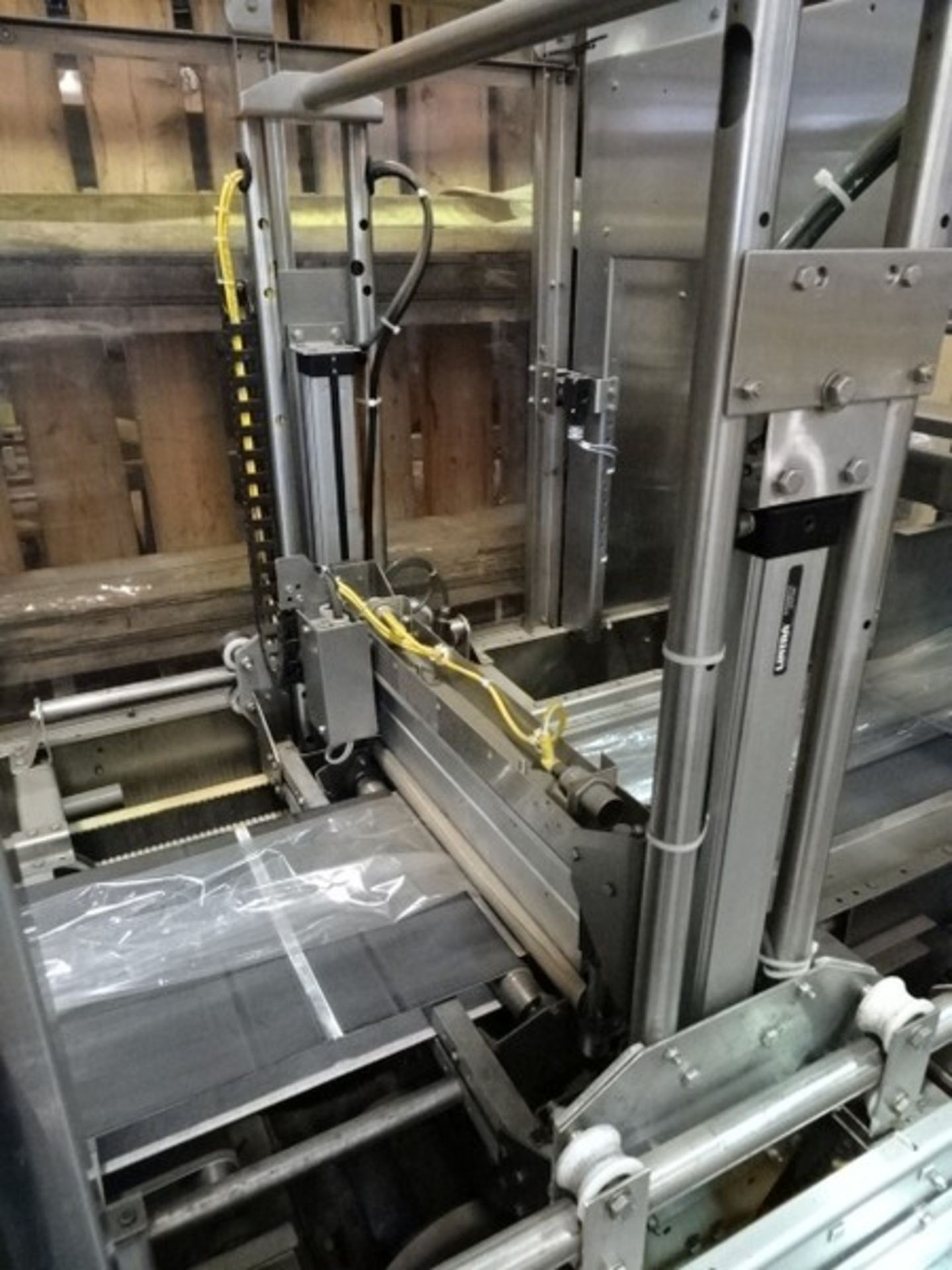 Lot 481 - Polypack CFH 16-24-32 VL Continuous Forming Head Shrink Wrapper & Tunnel with MGS pad placer; 480v-