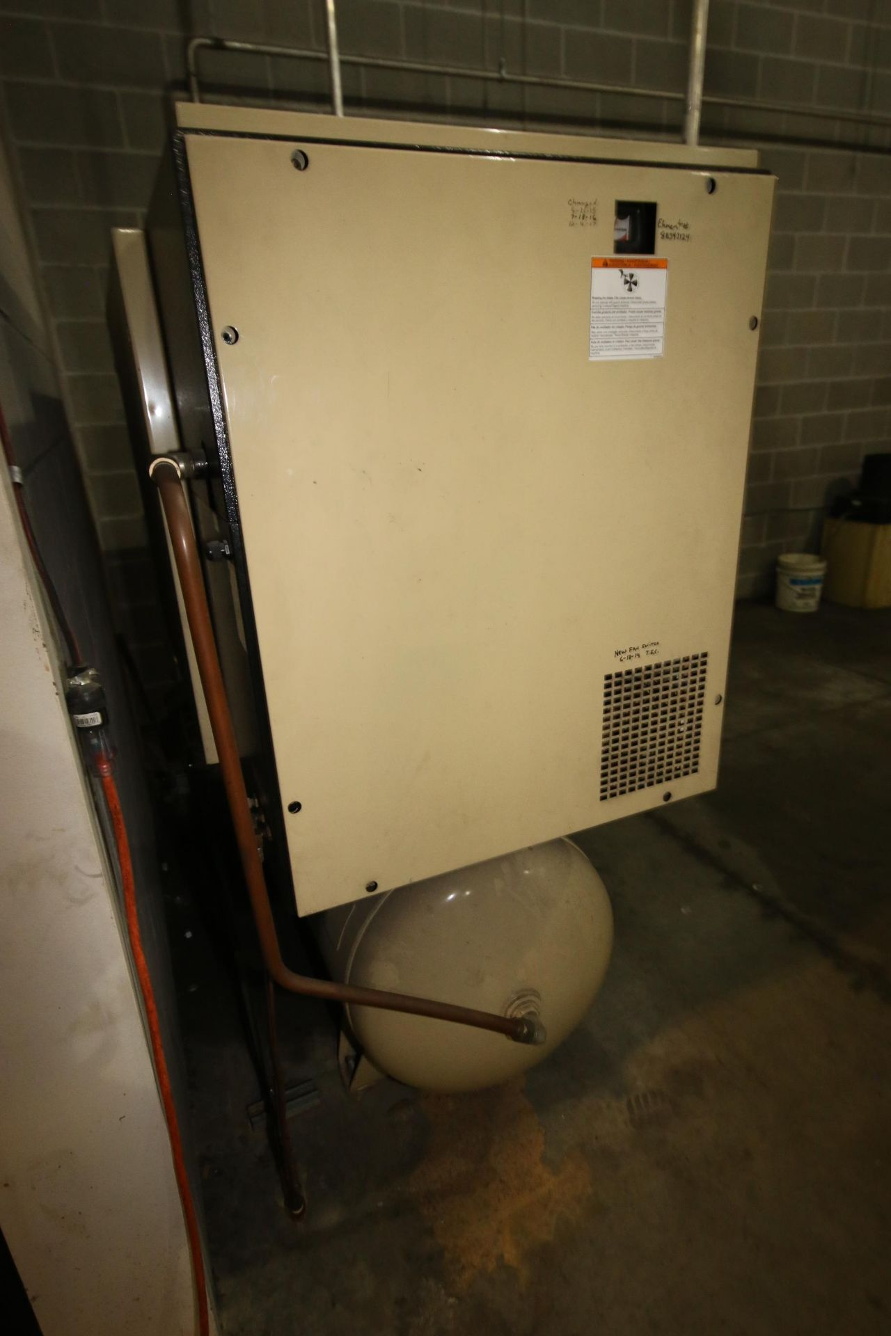 Lot 95 - Ingersoll-Rand 25 hp Air Compressor, with Top Mounted Dryer, Horizontal Air Receiver