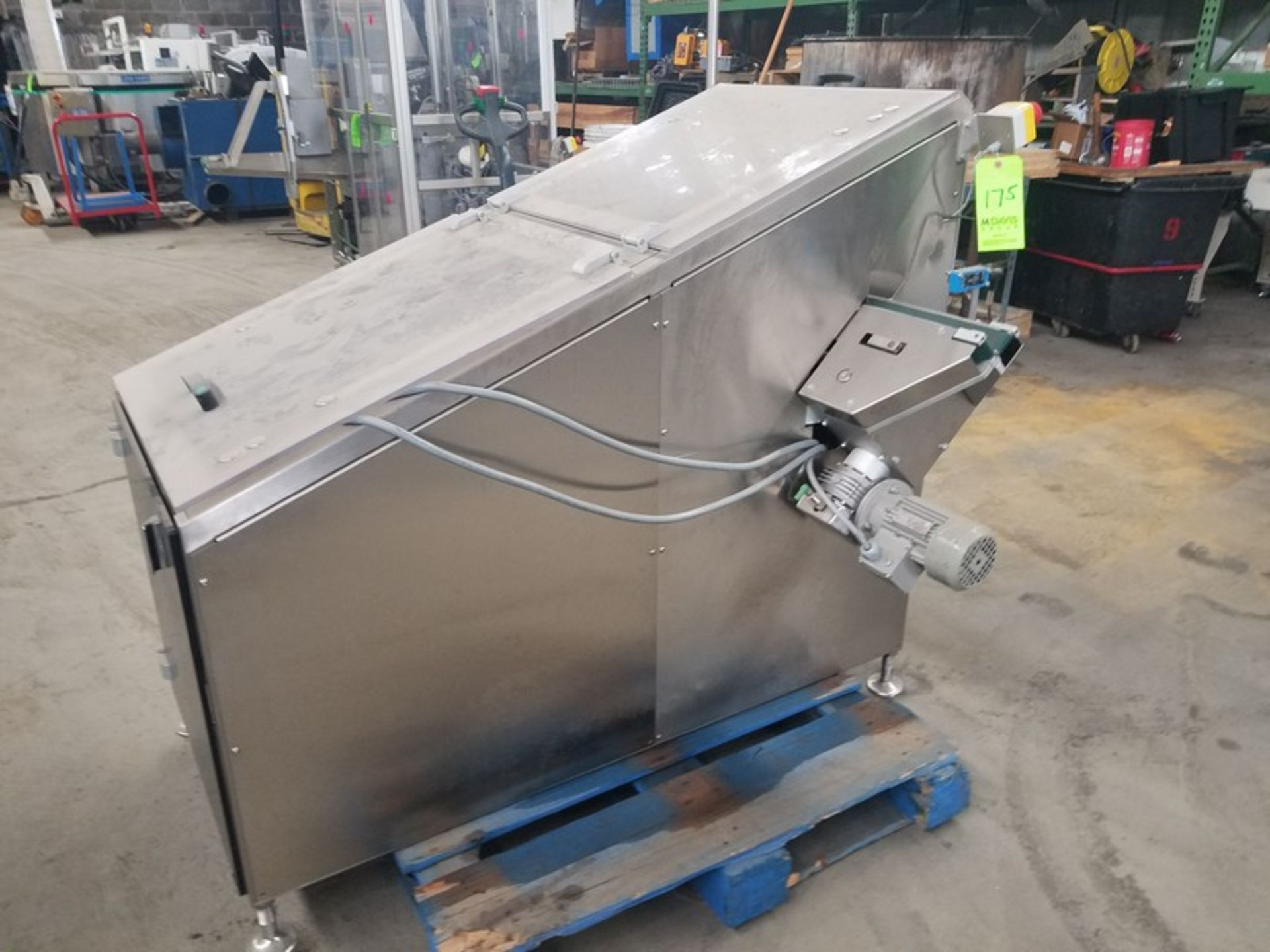"""Lot 175 - S/S 22"""" Cap Accumulator, with 1-1/2"""" V-Belt Exit Conveyor, with Drive (LOCATED IN FT. WORTH, TX--RIG"""