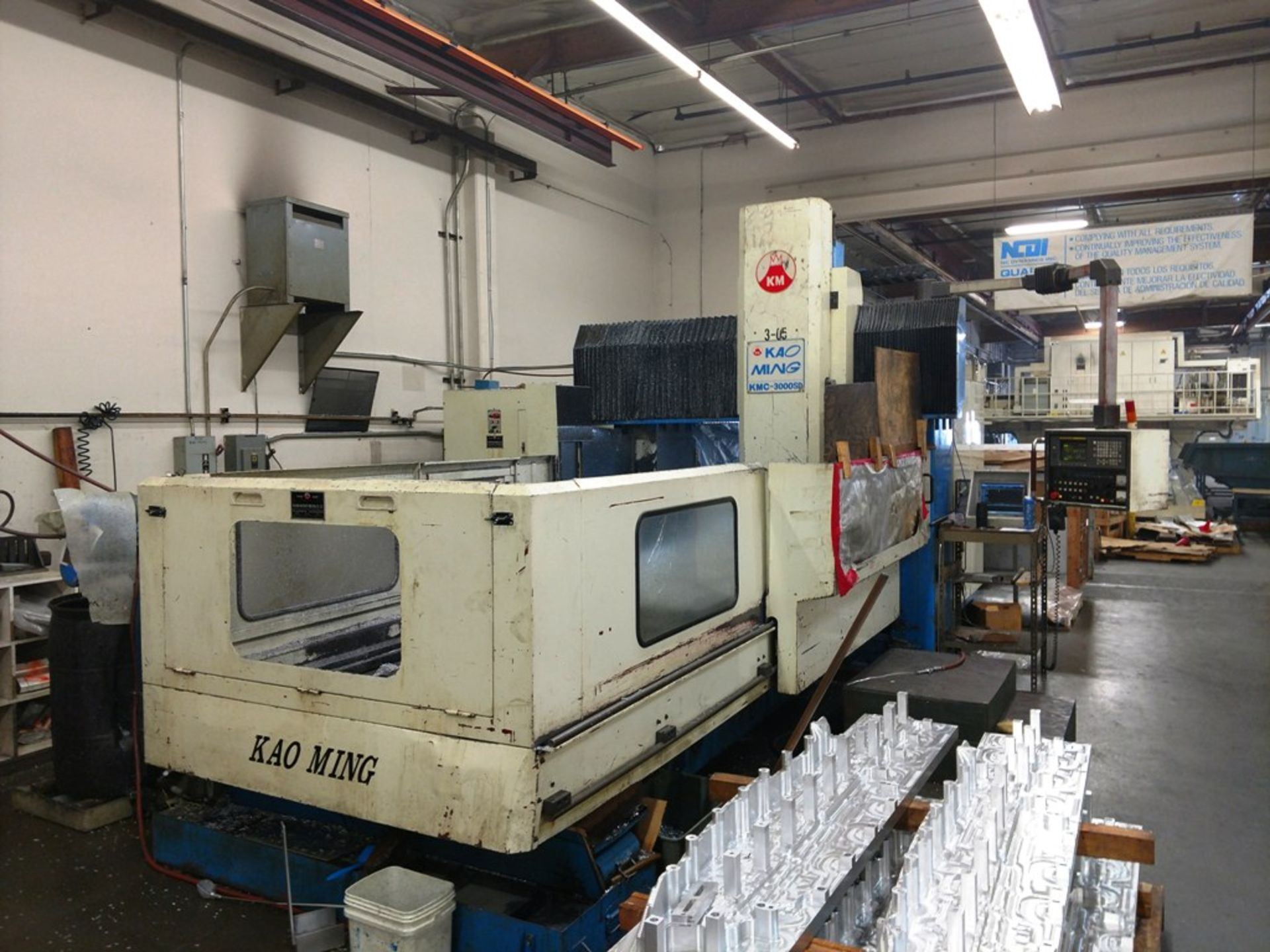Lot 14 - Kao Ming KMC-3000SD CNC Bridge Type Vertical Machining Center (Located in Long Beach, CA)
