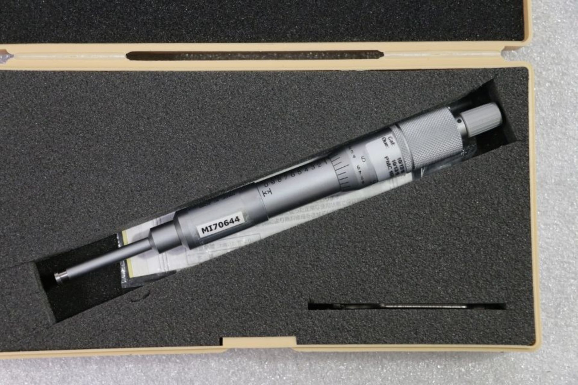 "Lot 53 - Mitutoyo 0"" - 1"" Groove Micrometer"