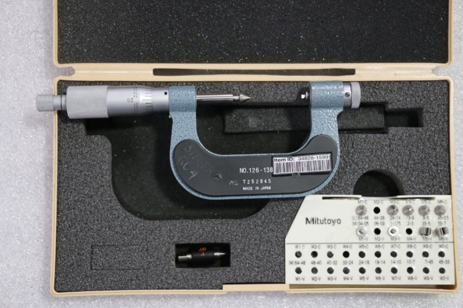 """Lot 33 - Mitutoyo 1"""" - 2"""" Pitch Micrometer"""