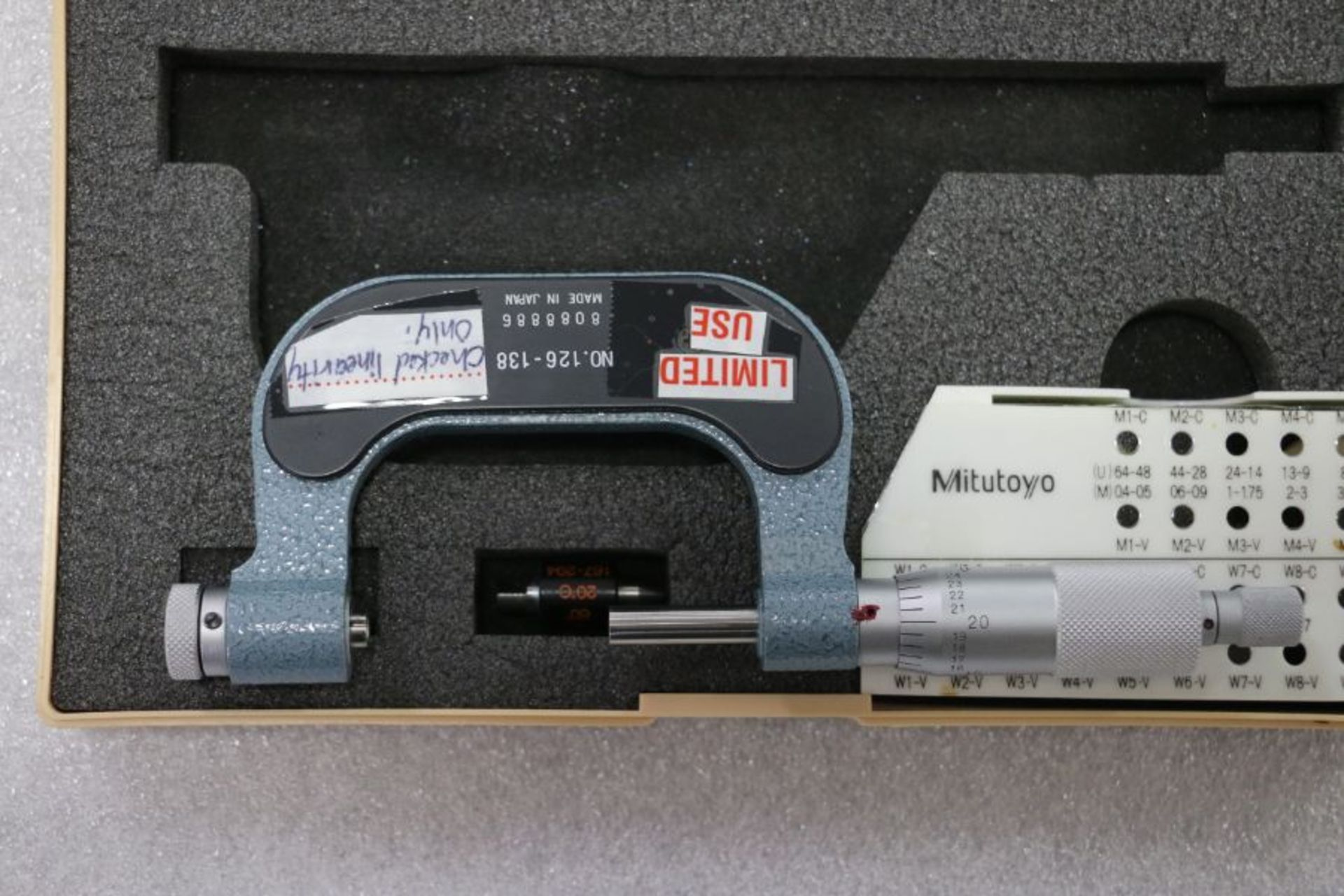 "Lot 25 - Mitutoyo 1"" - 2"" Pitch Micrometer"