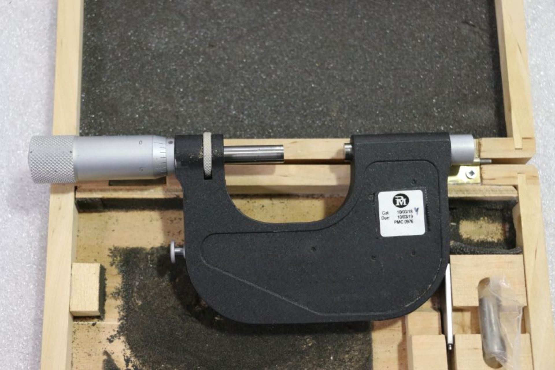 """Lot 32 - Vin 1"""" - 2"""" Indicating Micrometer"""