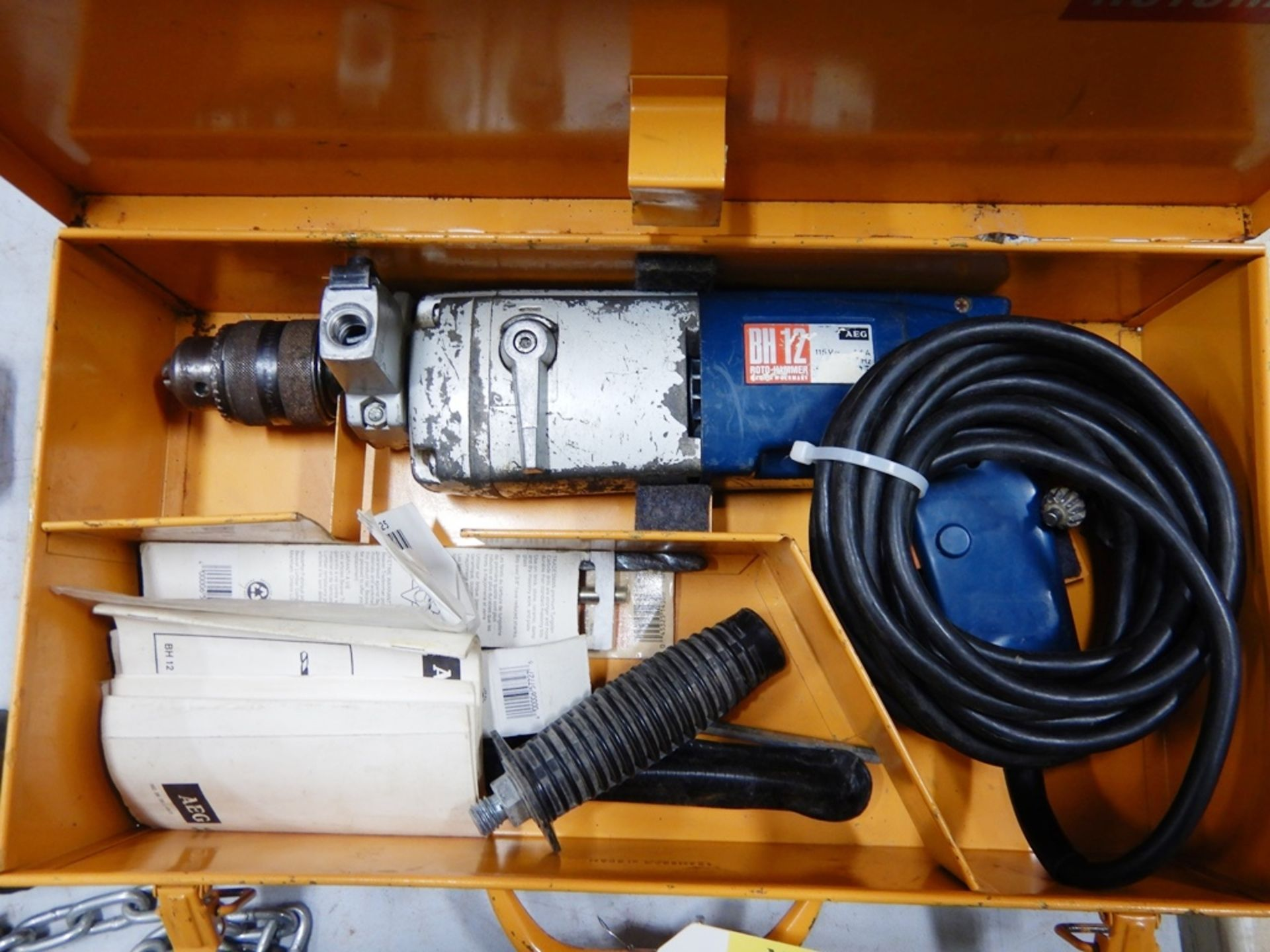 Lot 20 - AEG BH12 ELECTRIC ROTOHAMMER W/ MISC. BITS