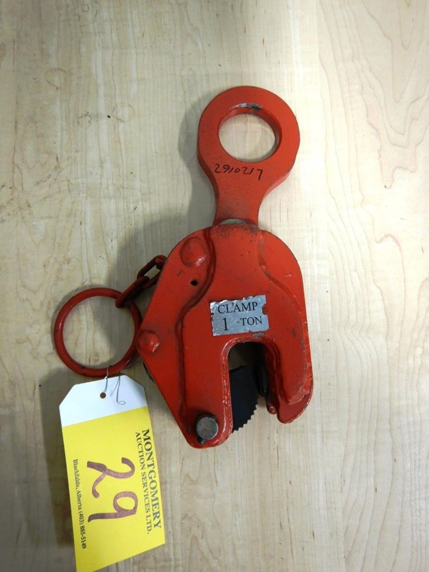 Lot 29 - 1 TON LIFTING PLATE CLAMP