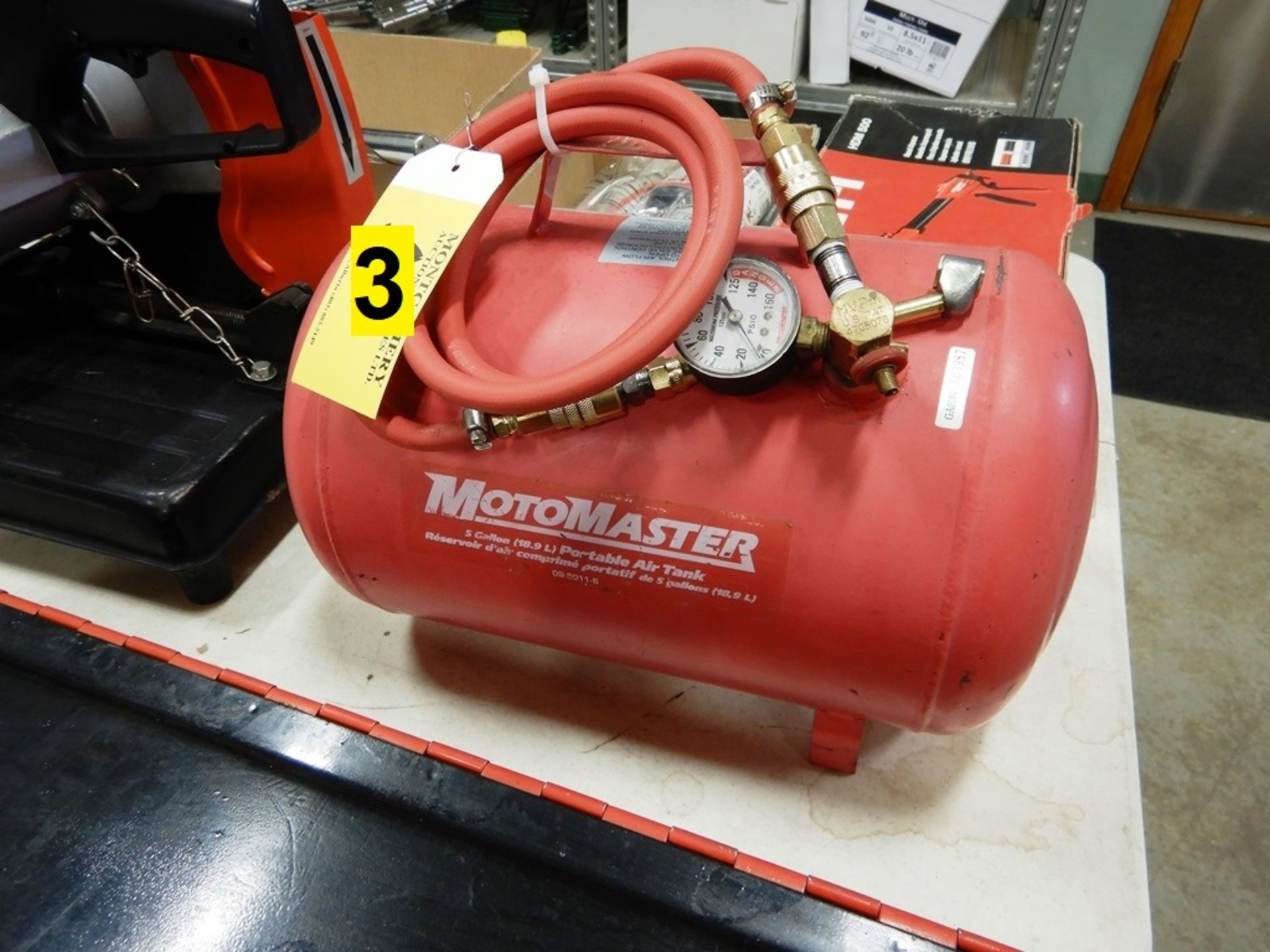 Lot 3 - MOTORMASTER 5 GAL PORTABLE AIR TANK W/ HOSE