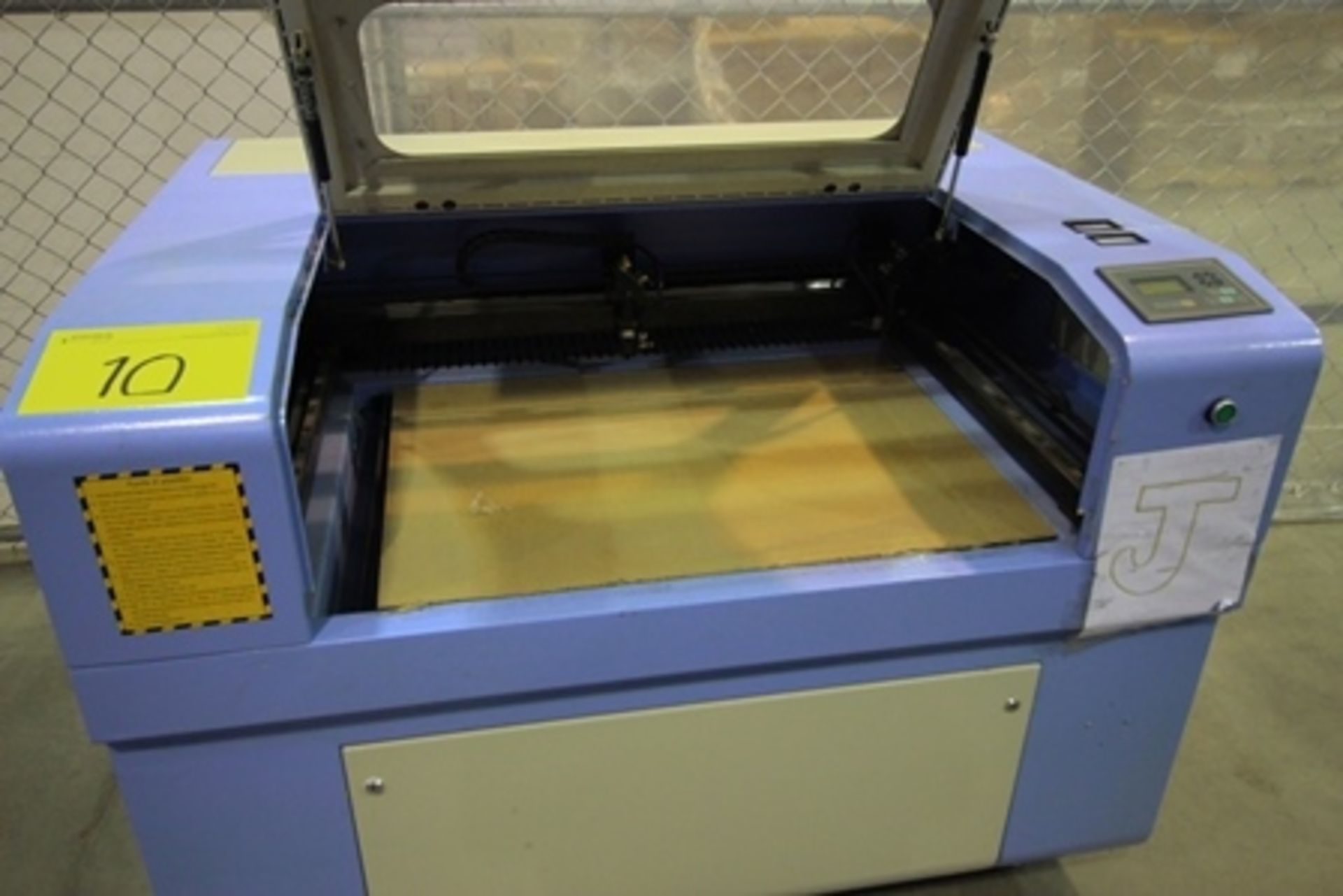 Lot 10 - 2017 Phillican CO2 laser engraver and cutting machine, model 6090.