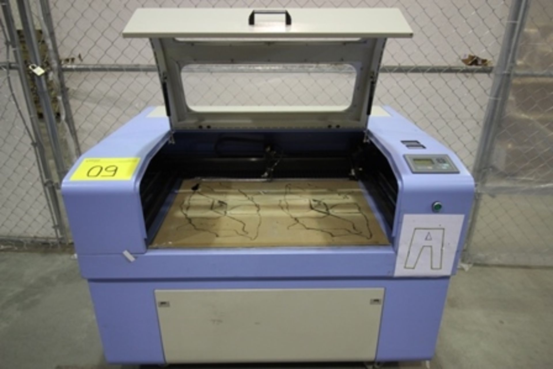 Lot 9 - 2017 Phillican CO2 laser engraver and cutting machine, model 6090.