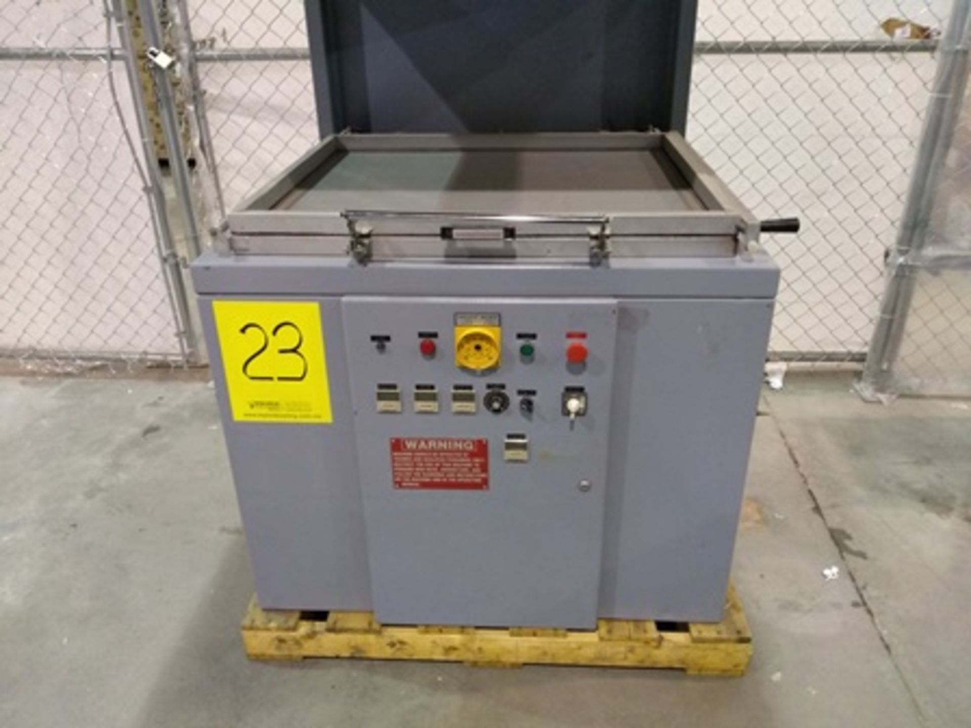 Lot 23 - Visual Thermoforming model CT3036 skin packager, S/N 43390395, 220V, 3PH, 60HZ, 27.5x35 inch…