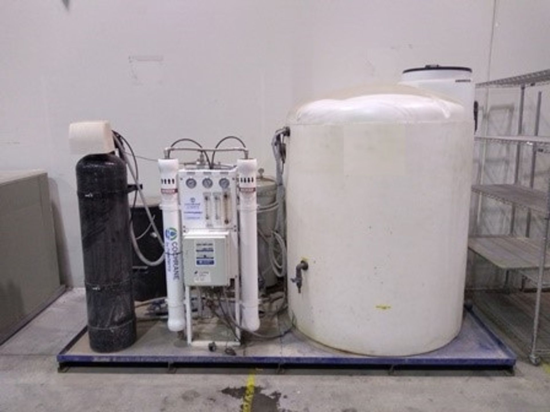 Lot 25 - Cochrante reverse osmosis water purification system with water tank of 660 gal.