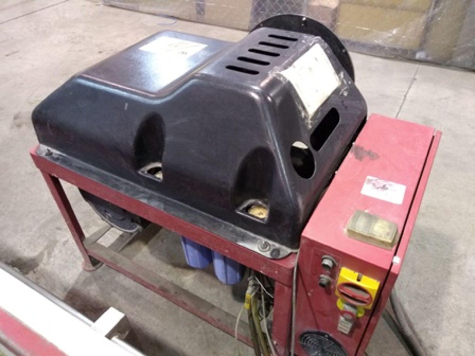 Lot 11 - 2011 OMAX MAXIEM 1530 WATER JET, CNC CUTTING MACHINE, Work Area 5'x10' & PSI Rating: 50,000 PSI
