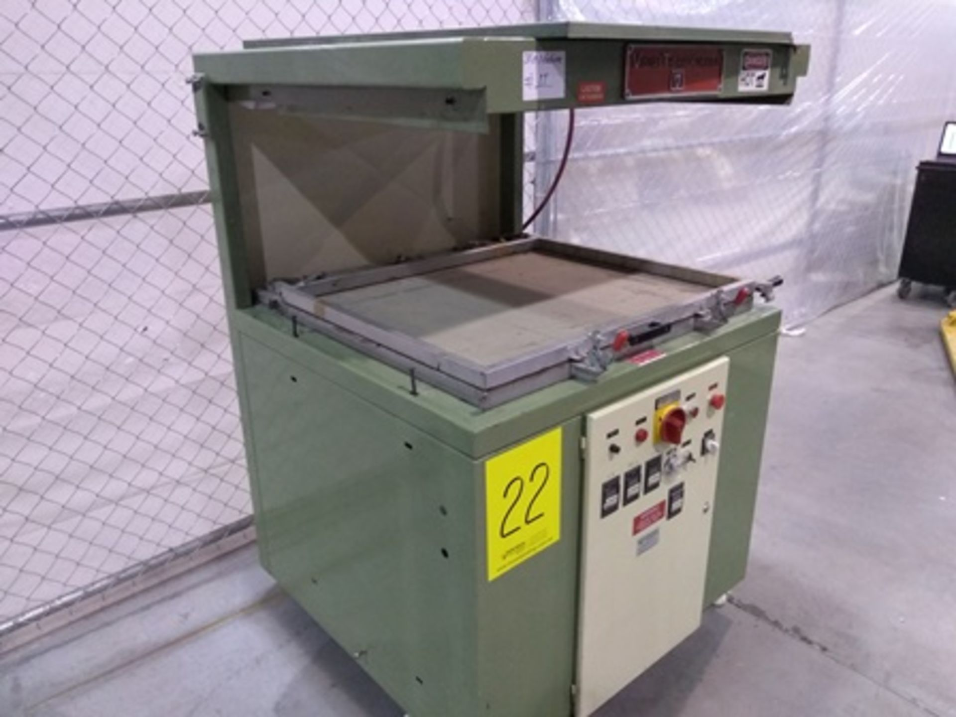 Lot 22 - Visual Thermoforming model CT3036 skin packager, S/N CT3495, 220V, 3PH, 60HZ, 27.5x35 inch...