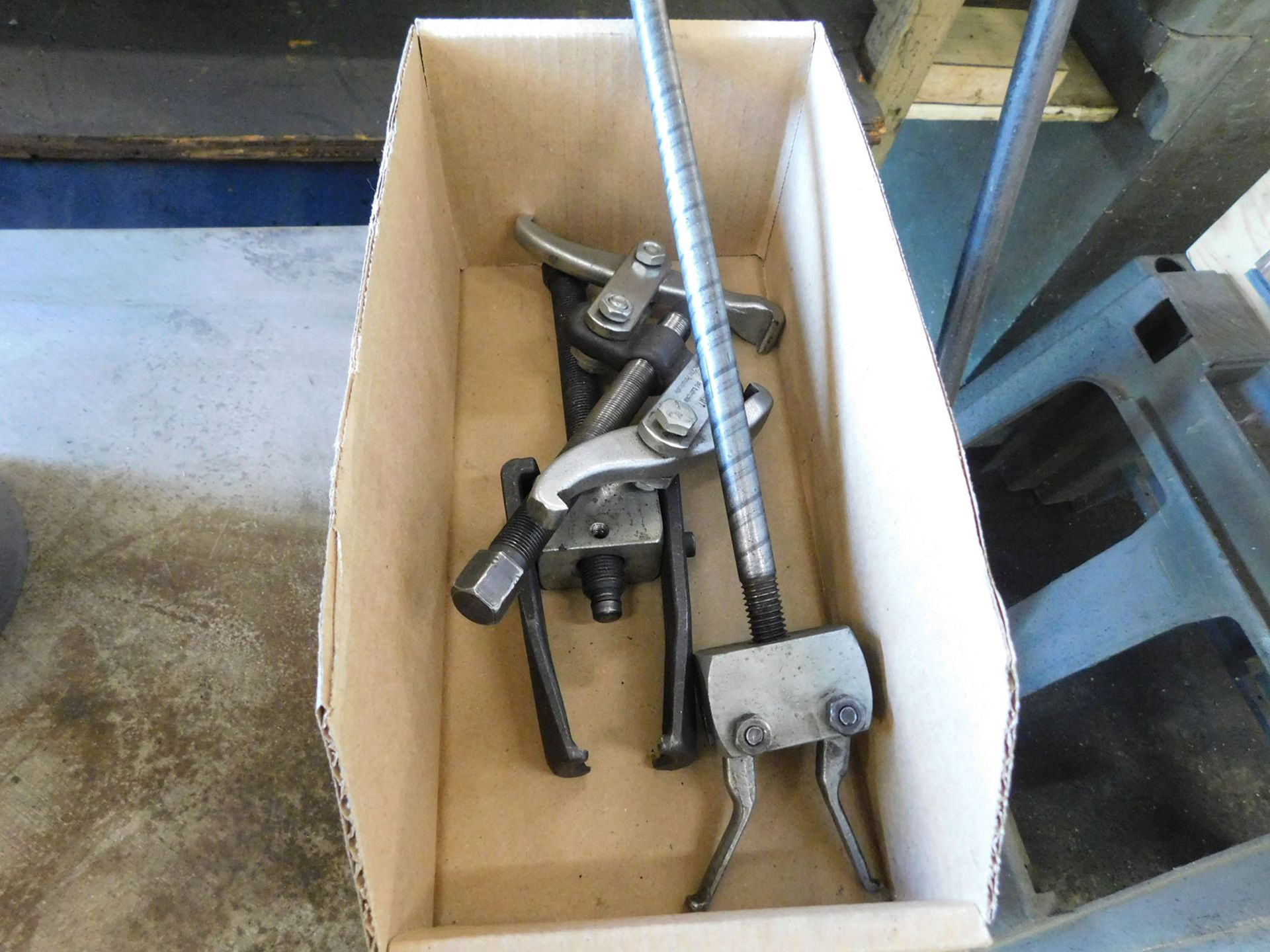 Lotto 103 - LOT OF BEARING PULLERS