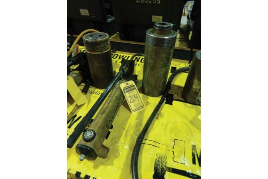 Choice of lots: 204, 205 } ENERPAC P391 HYDRAULIC PUMP W
