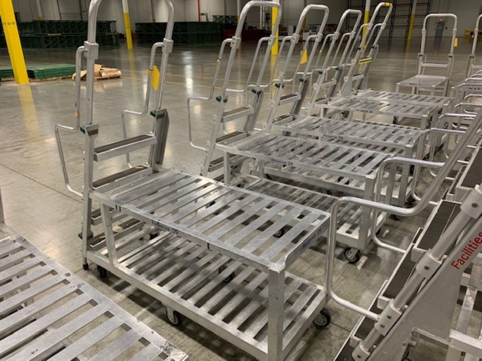 Lot 188 - ALUMINUM PICKING CART WITH LADDER