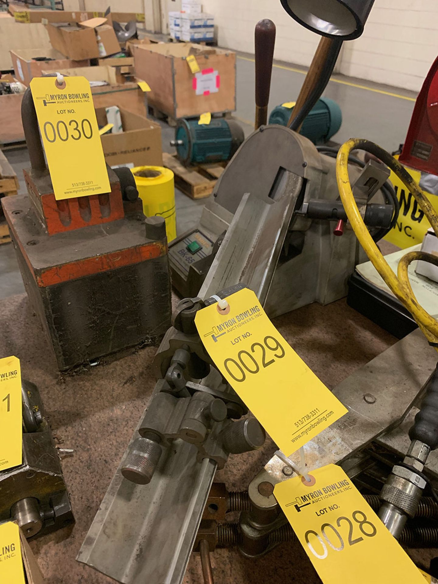 Lot 29 - DAREX BK-65 PRECISION DRILL BIT SHARPENER