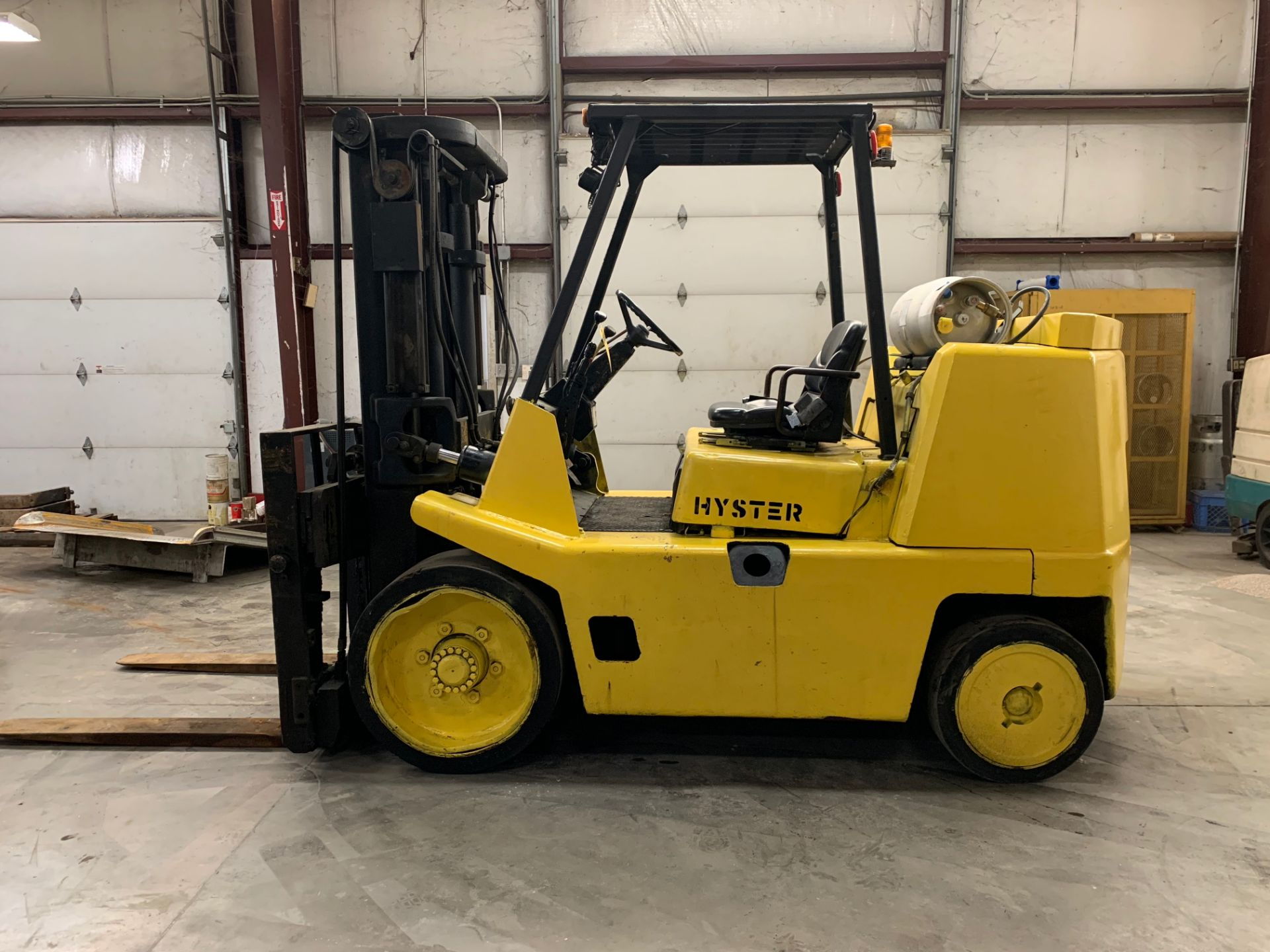 Lot 1 - HYSTER 16,800-LB. CAPACITY FORKLIFT, MODEL: S155XL EXTENDED, S/N: B024D03288R, LPG, SOLID TIRES, 2-