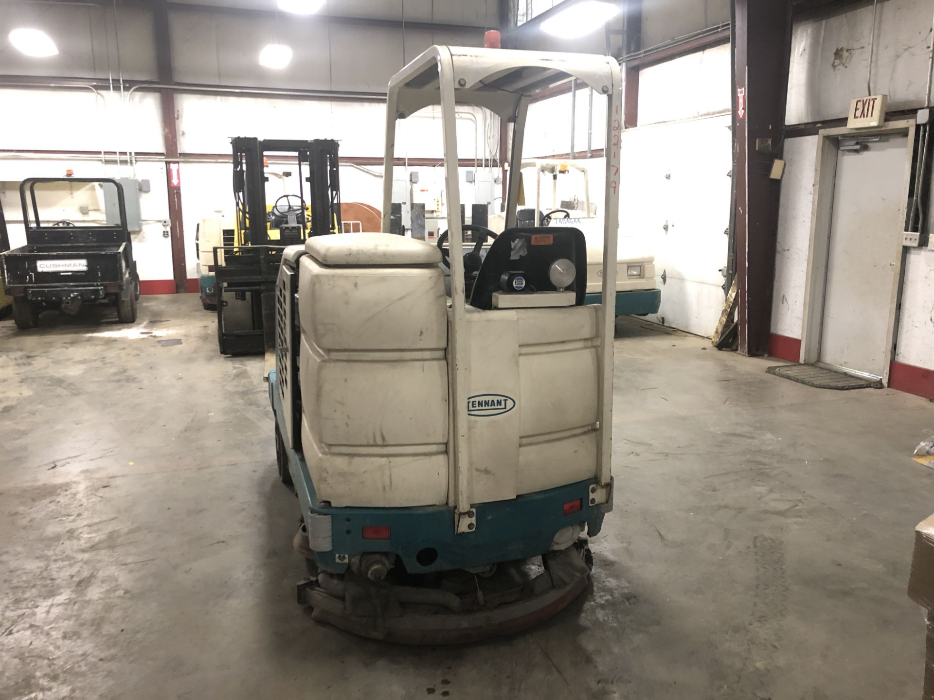 Lot 28 - Tennant Floor Sweeper/Scrubber Model: 8210, S/N: 8210-10066, LPG, 1,118 HRS, Vortec 1600 Engine