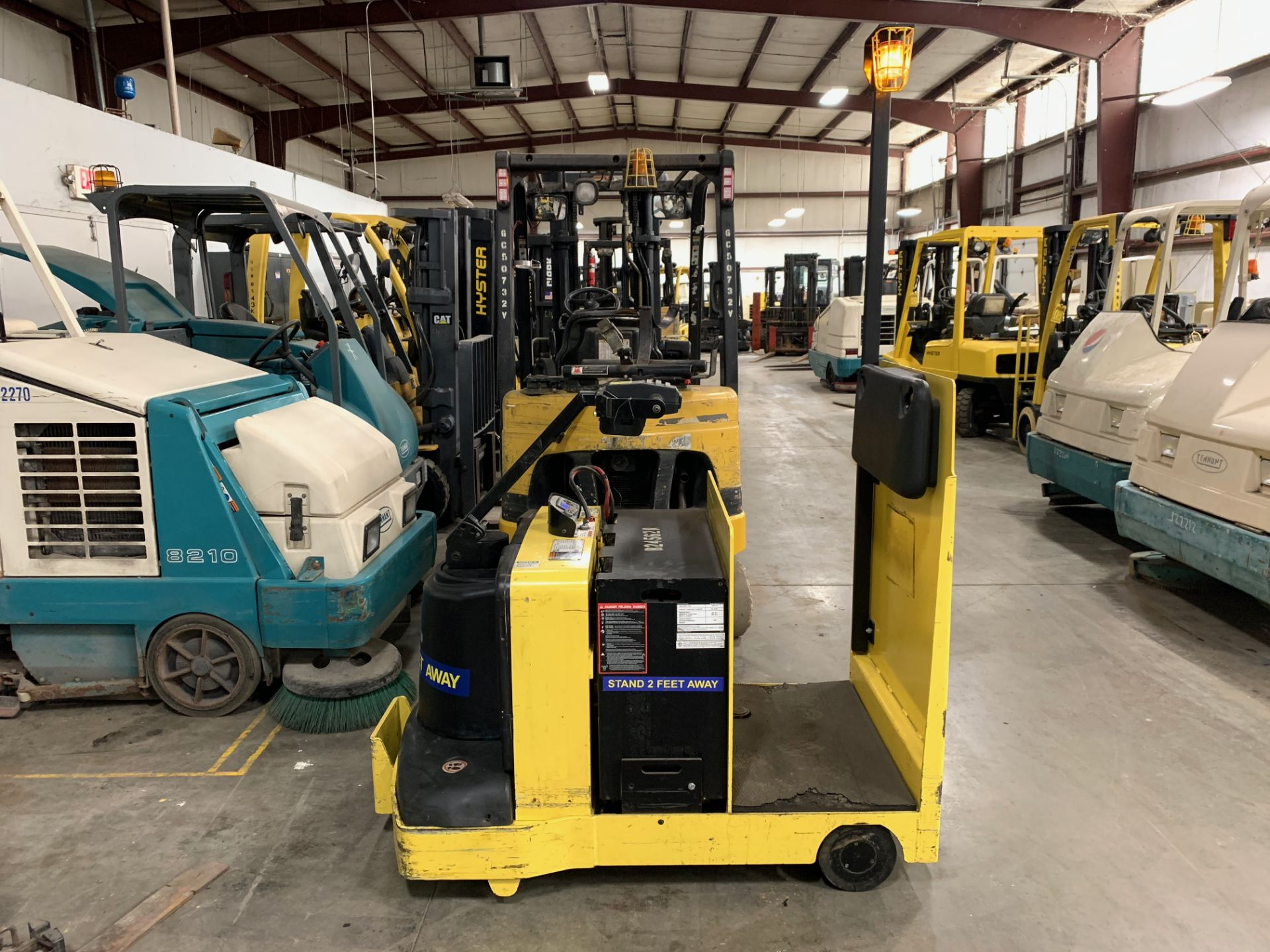 """Lot 21 - 2014 HYSTER ELECTRIC TOW TRACTOR, MOD: T7ZAC, 24 VOLT, WEIGHT: 2,850, COUPLER HEIGHT: 12"""", 8,616 HRS"""