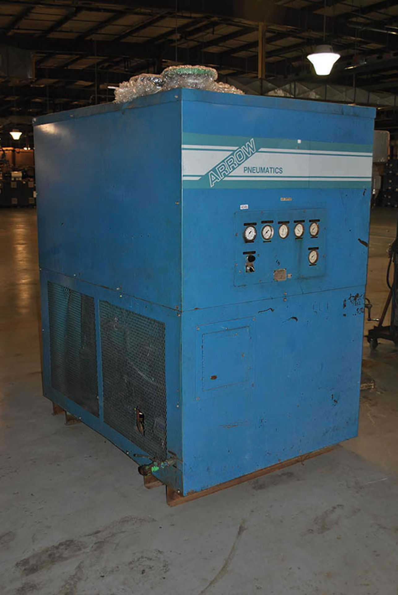 Lot 135 - ARROW PNEUMATIC AIR DRYER, MODEL 3517W, S/N 14370