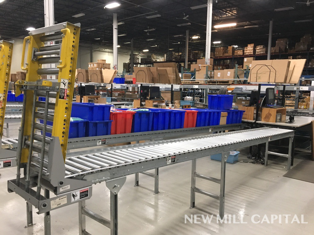 Lot 59 - Spring Assisted Roller Conveyor & Gate, Approx 20ft OA Length, 15in Wide Rol | Rig Fee: $150