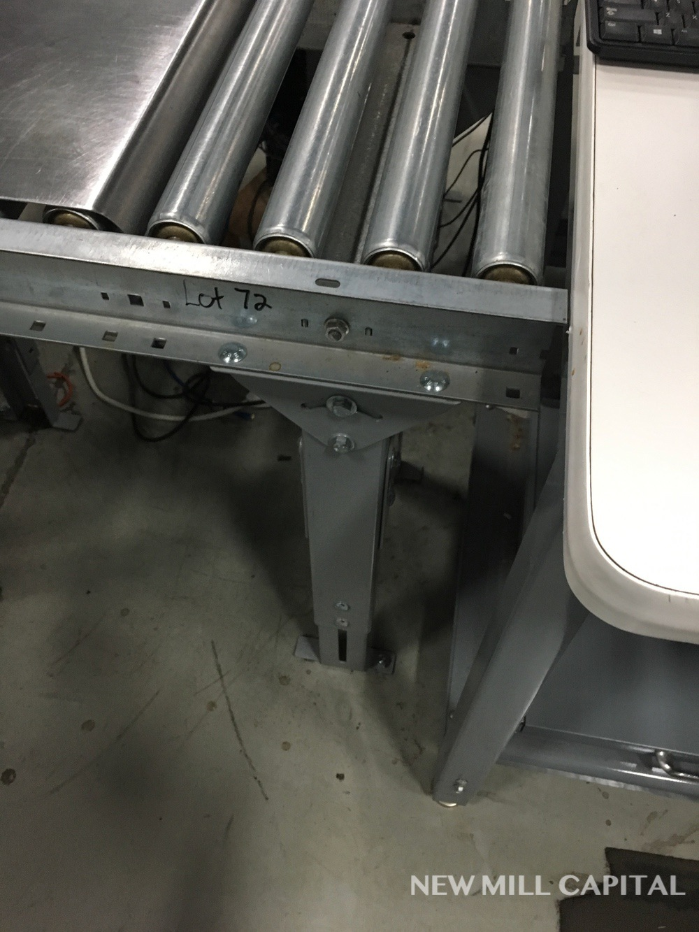 Lot 72 - (2) Roller Conveyors, Manual, Approx 3ft OA Length, 15in Rollers, 18in OA Width | Rig Fee: $150