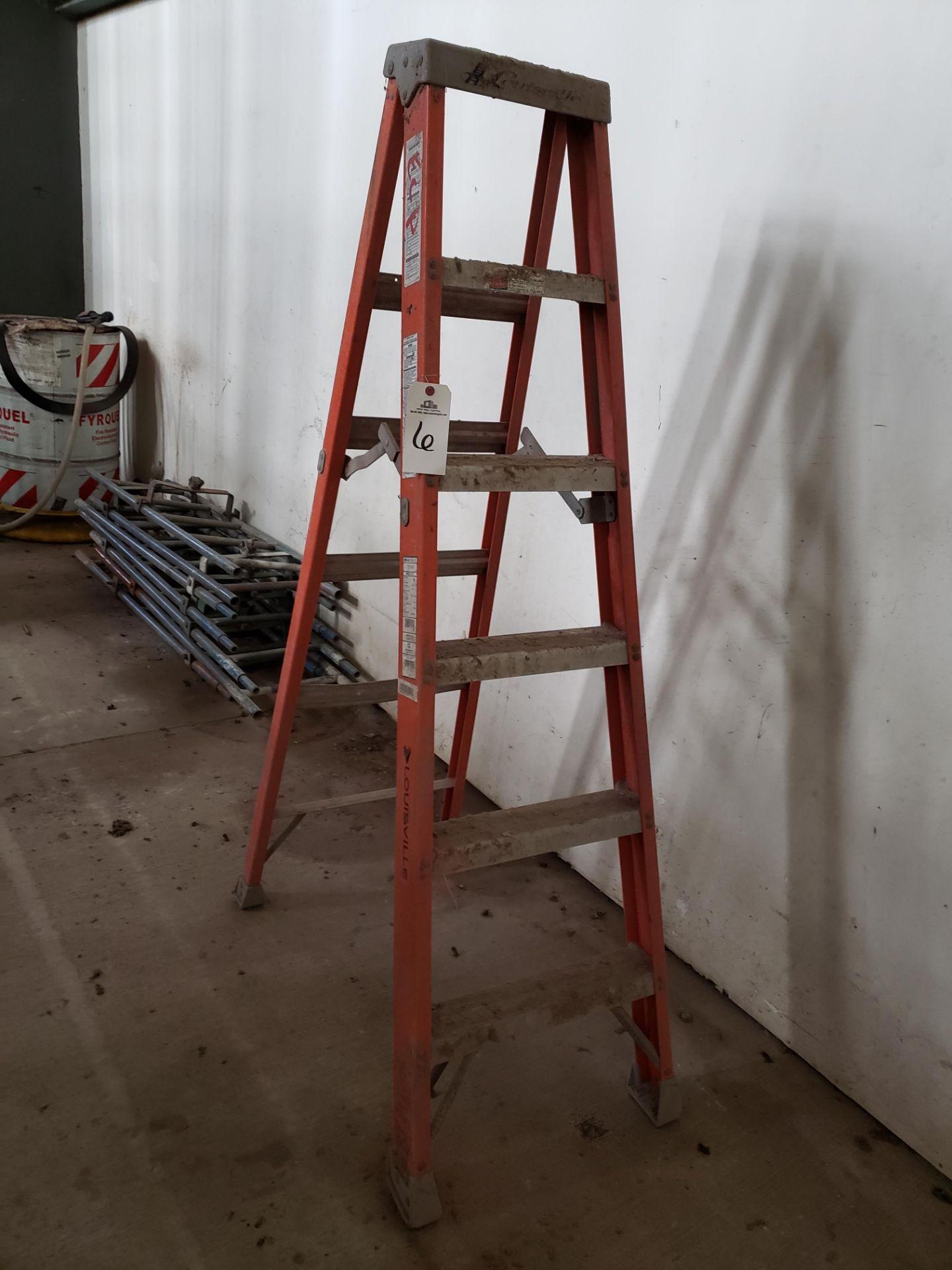 Lot 6 - 6' Step Ladder   Rig Fee: $25