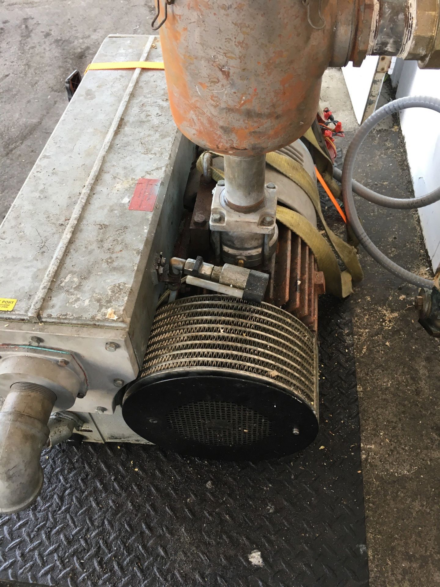 Lot 53 - Busch R5 Vacuum Pump, 10 HP, 180 CFM Displacement, 0.5 Torr Vacuum | Rig Fee: No Charge