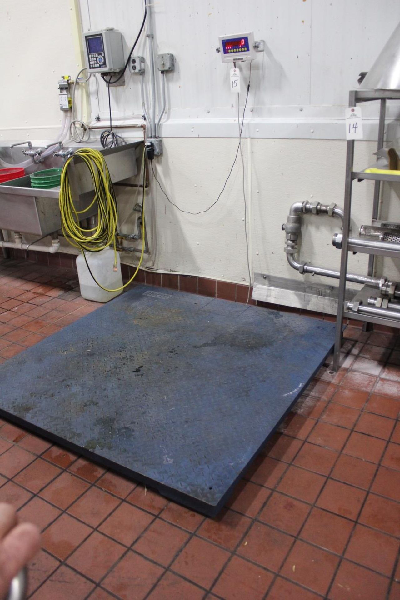 "Lot 15 - Optima 5,000 lb. Platform Scale, 59"" X 59"" Platform 