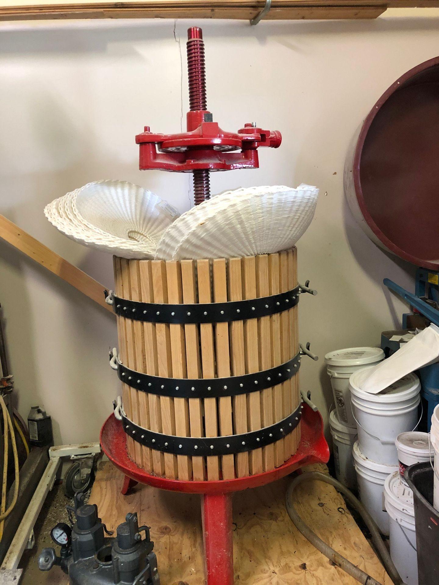 Lot 85 - Wine Press | Rig Fee: $150
