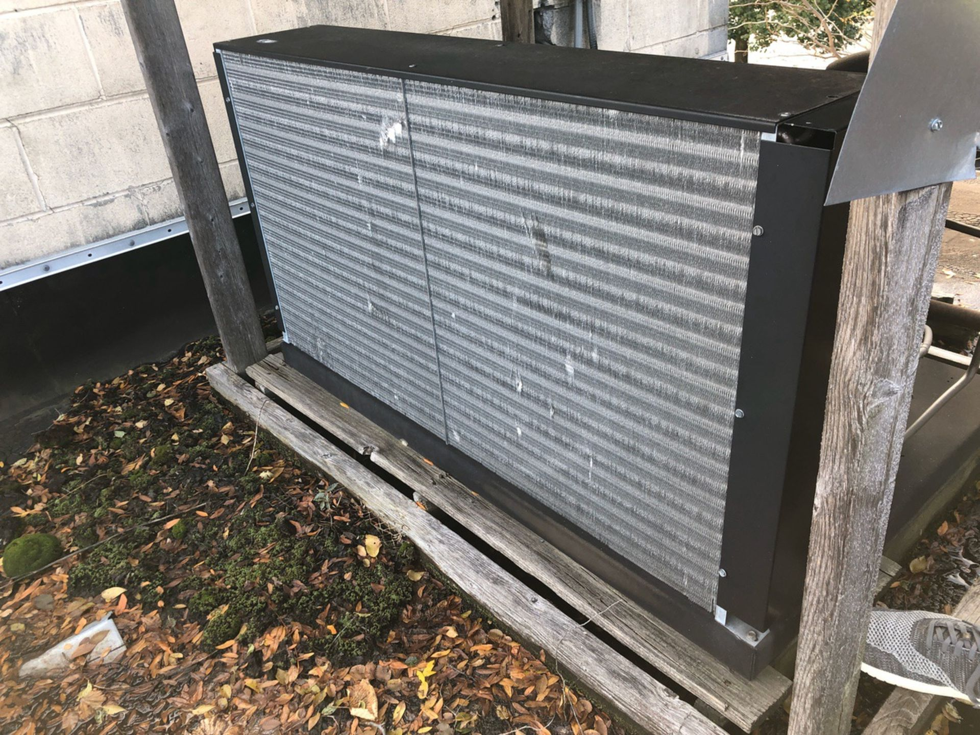 Lot 28 - 2008 Glycol Chiller, 7.5 HP | Sub to Bulk | Rig Fee: $500