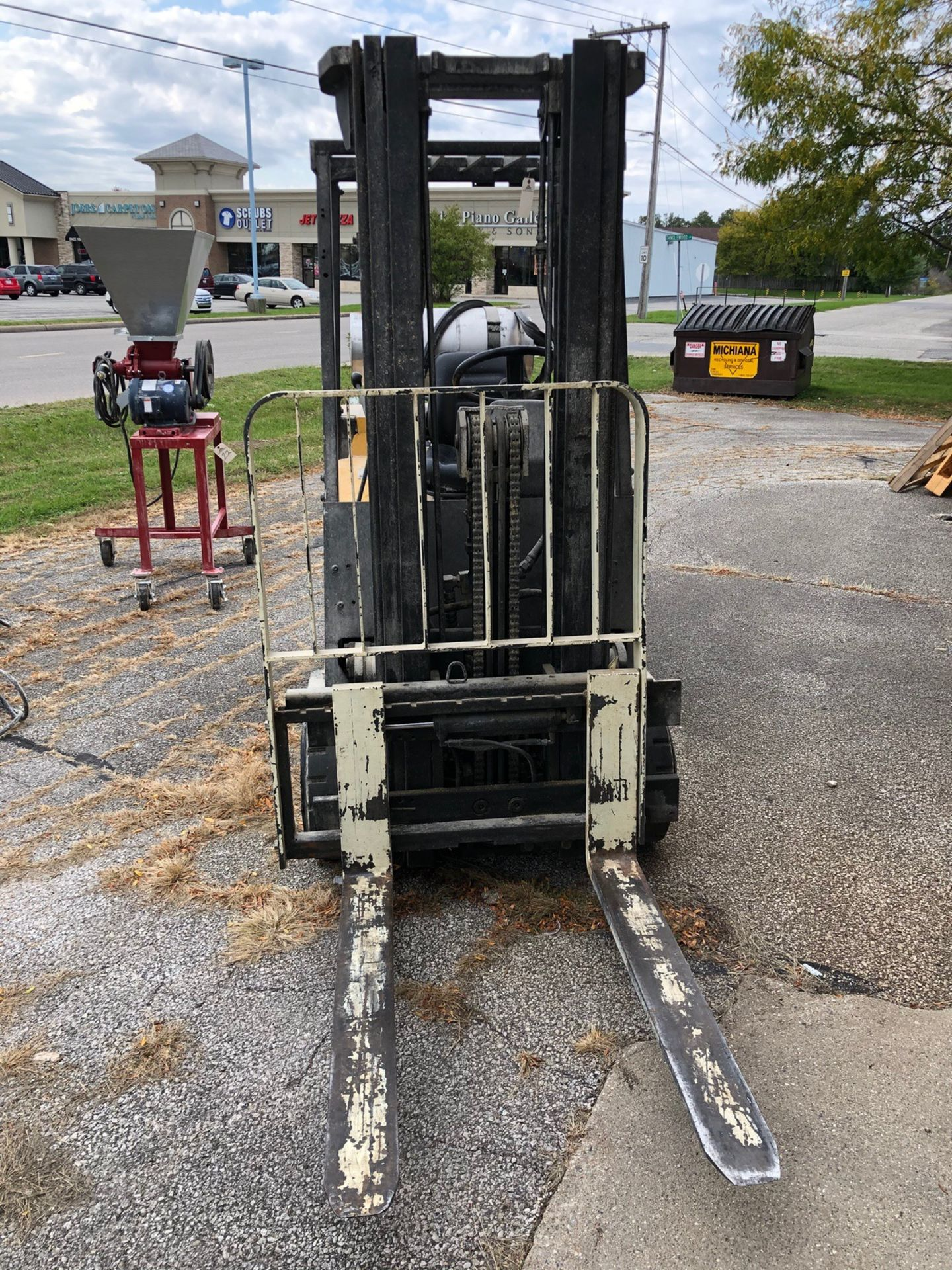 Lot 75 - Yale Fork Lift, 5000 LB Max Capacity, LP, Model GLC050DENUAE0 (Delay Delivery) | Rig Fee: $150