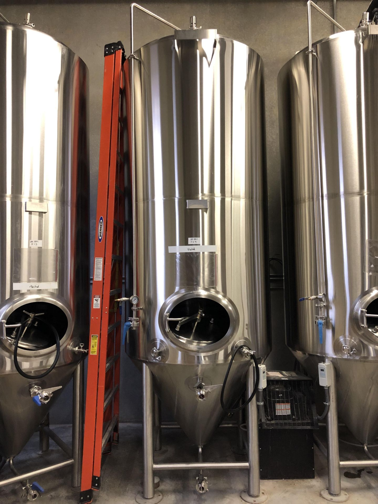 Lot 1B - 2016 Practical Fusion 20 BBL Uni-Tank Fermenter, 3-Zone Dimple Glyc | Loc: Golden CO | Rig Fee: $800