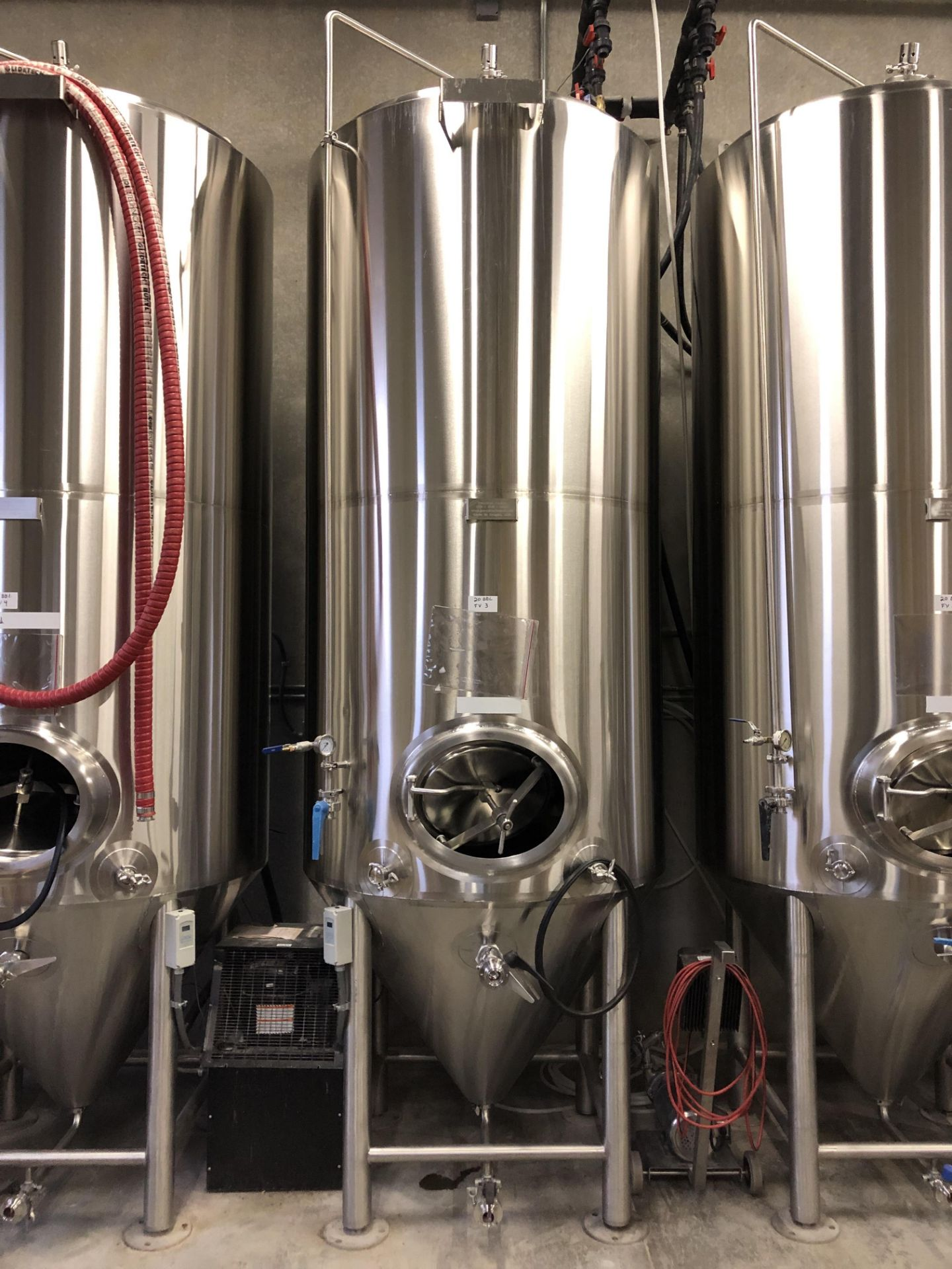 Lot 1A - 2016 Practical Fusion 20 BBL Uni-Tank Fermenter, 3-Zone Dimple Glyc | Loc: Golden CO | Rig Fee: $800