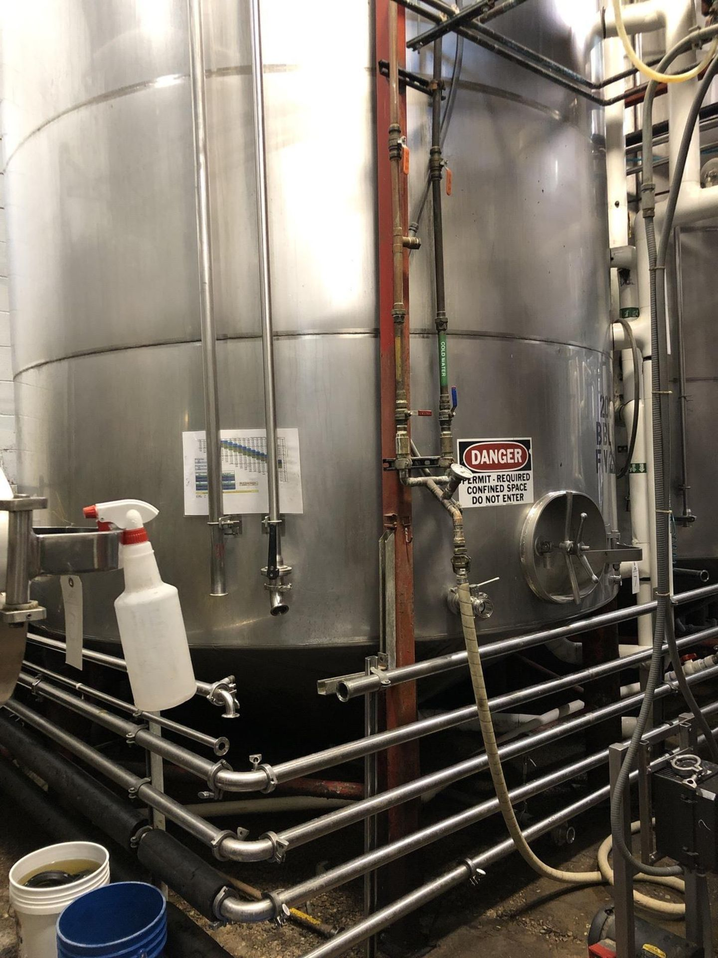Lot 7 - Santa Rosa 200 BBL Fermenter, Cone Bottom, Glycol Jacketed, Stainless Steel, Approx   Rig Fee: $3300