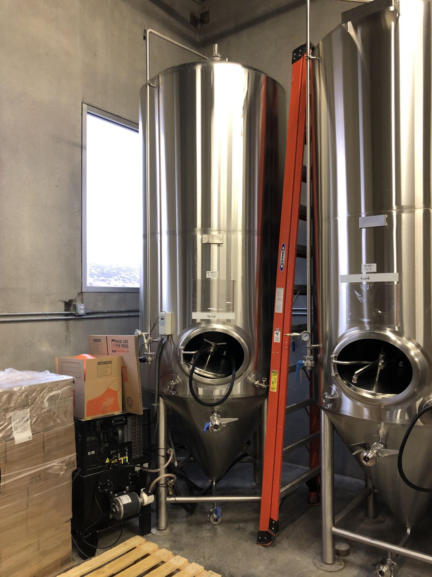 Lot 1C - 2016 Practical Fusion 20 BBL Uni-Tank Fermenter, 3-Zone Dimple Glyc | Loc: Golden CO | Rig Fee: $800
