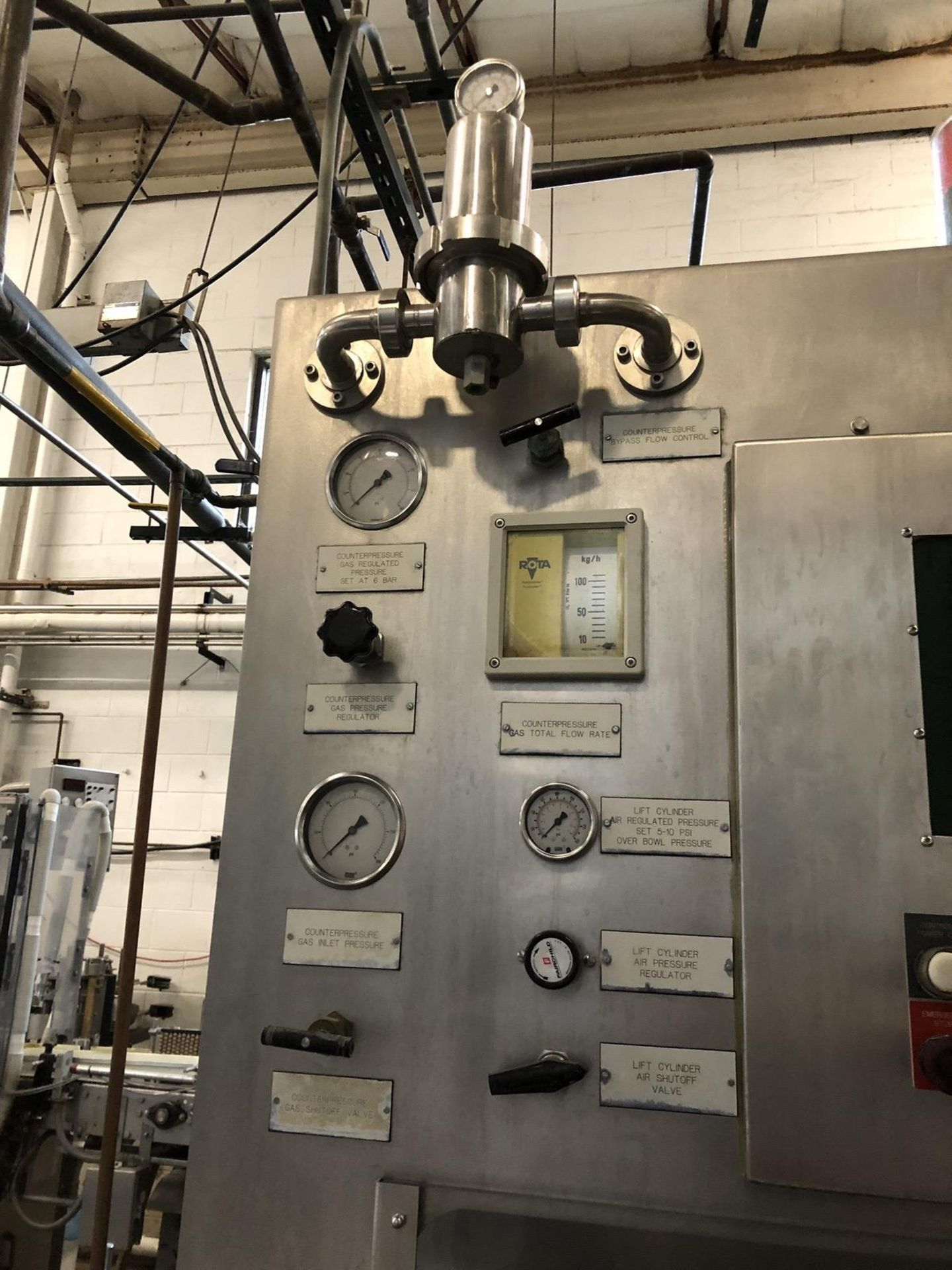 Lot 52 - Krones Model 20/5 Bottle Filler and Crowner, 130 Bottles per Minute, | Sub to Bulk | Rig Fee: $1750