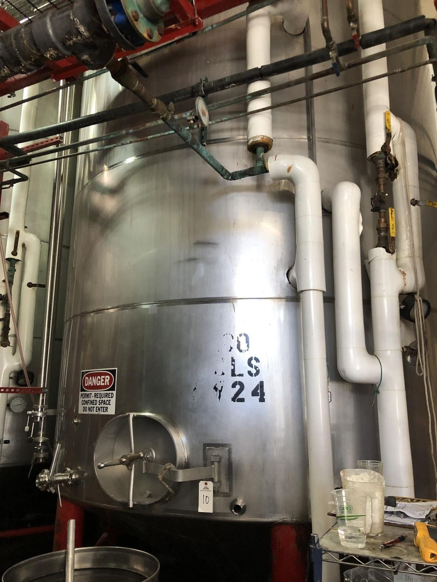 Lot 10 - Santa Rosa 200 BBL Fermenter, Cone Bottom, Glycol Jacketed, Stainless Steel, Approx | Rig Fee: $3300