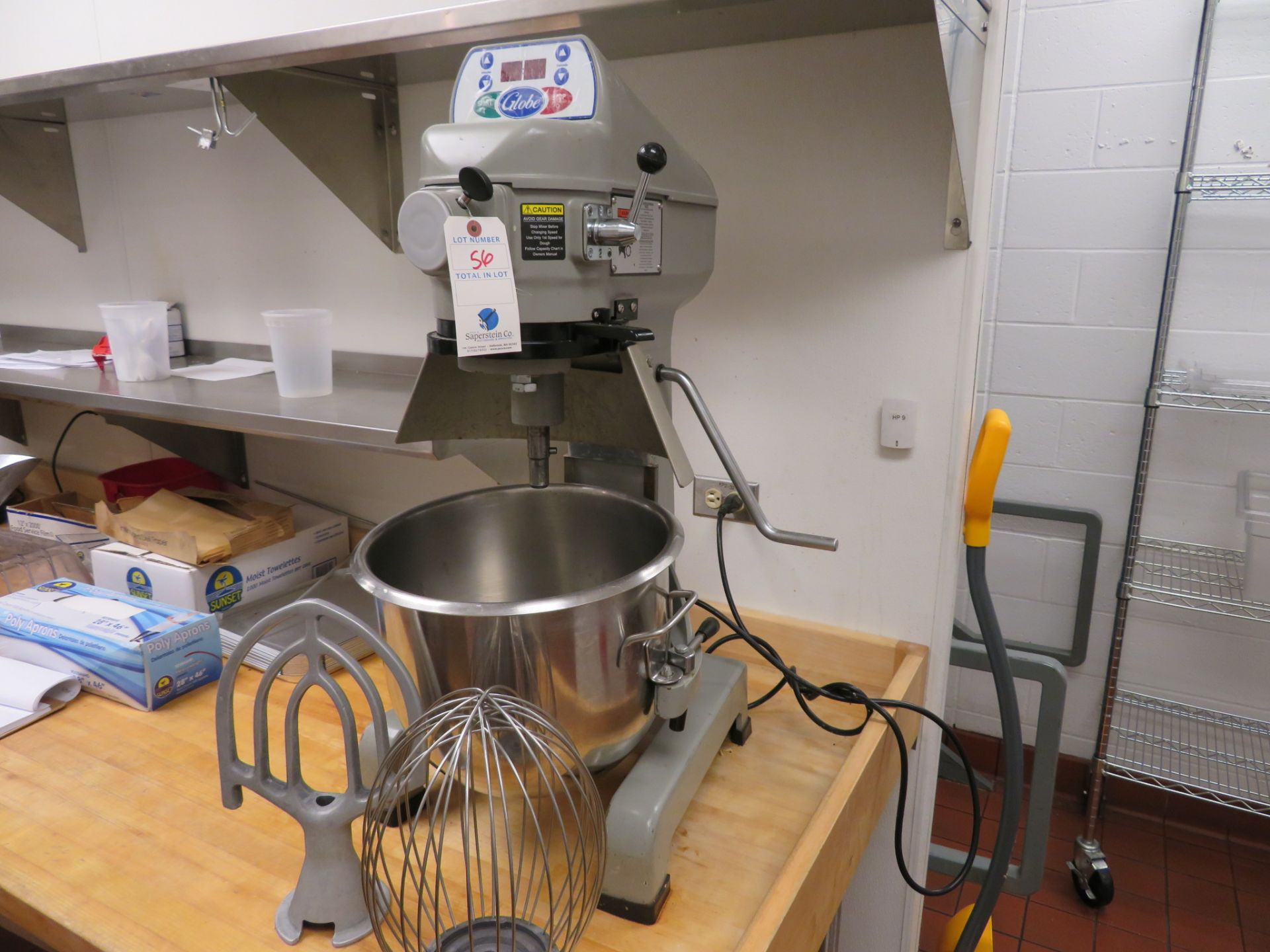 Lot 56 - Globe # SP20 -1/2 HP, 20Qt Single Phase C.T. Mixer, S/N: 72-31784 w/ Bowl Whip & Paddle