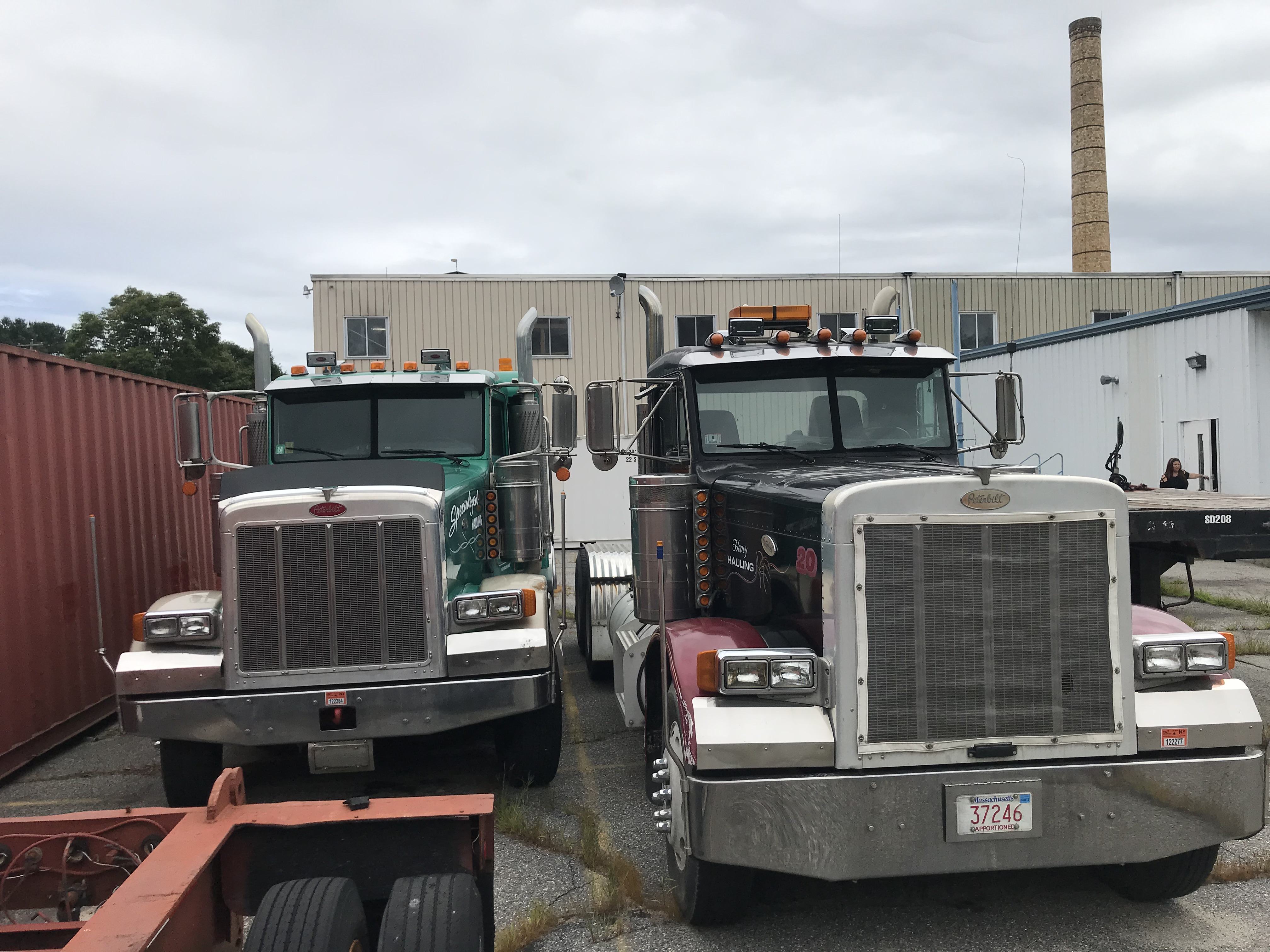 HEAVY EQUIPMENT - (2) PETERBILT TRACTORS - (3) 48' STEP DECK TRAILERS - FONTAINE 48' FLAT BED TRAILER, (6) 40' SHIPPING CONTAINERS - FORD